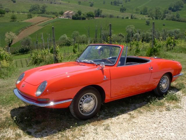 Fiat_850_Spider_1965.jpg