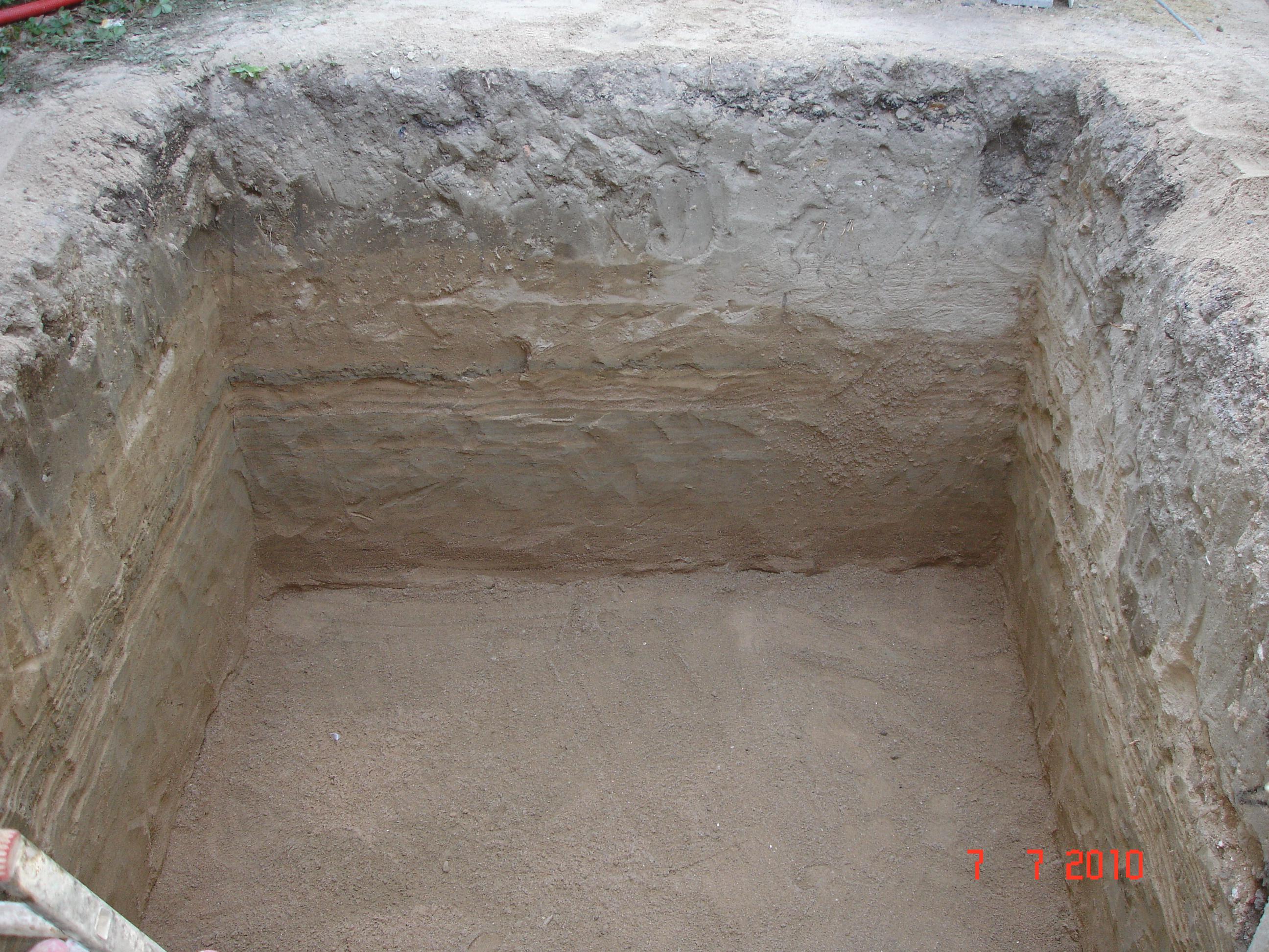 File fond de fouille jpg wikimedia commons for Prise de terre fond de fouille
