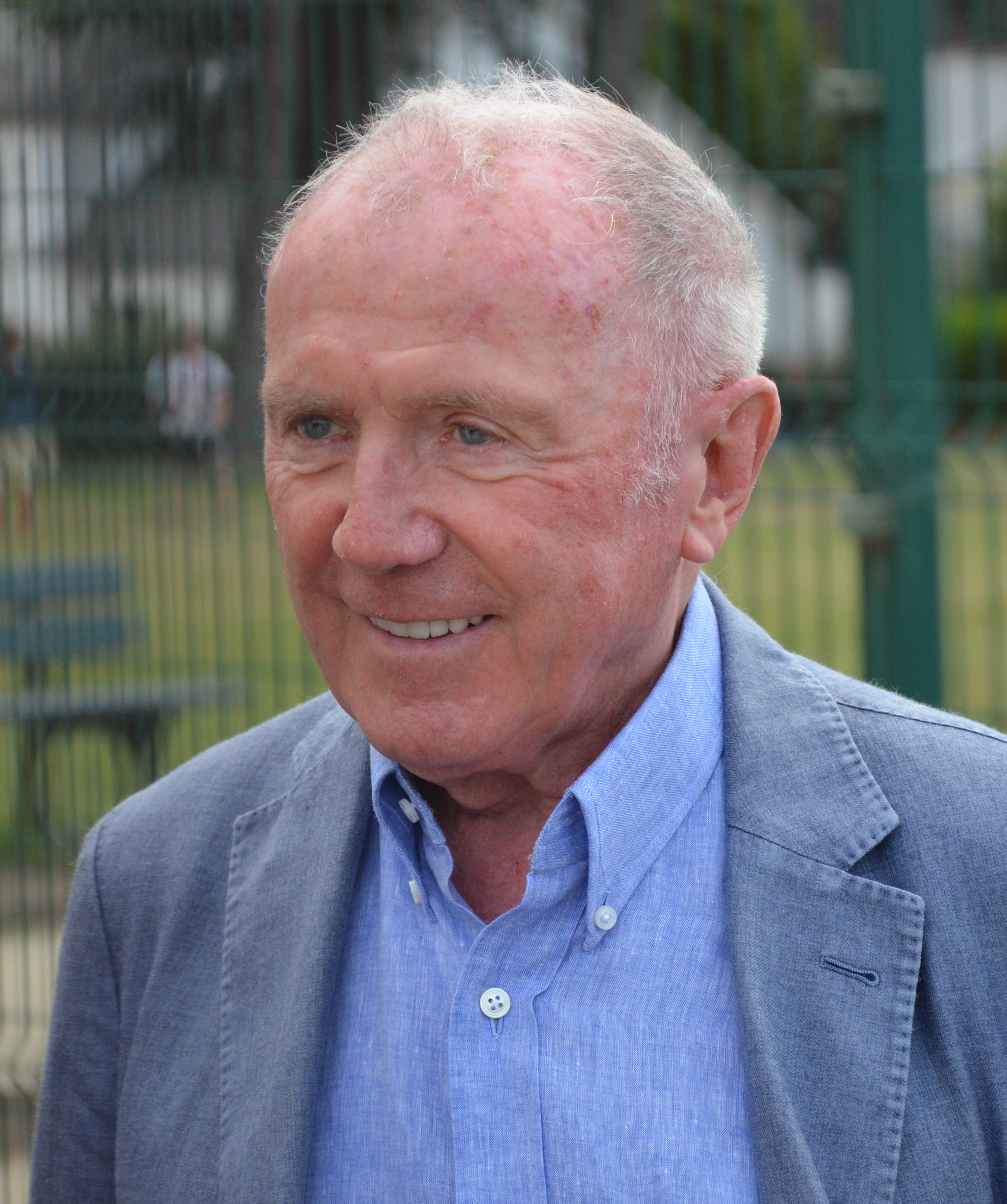 The 81-year old son of father (?) and mother(?) Francois Pinault in 2018 photo. Francois Pinault earned a  million dollar salary - leaving the net worth at 15000 million in 2018