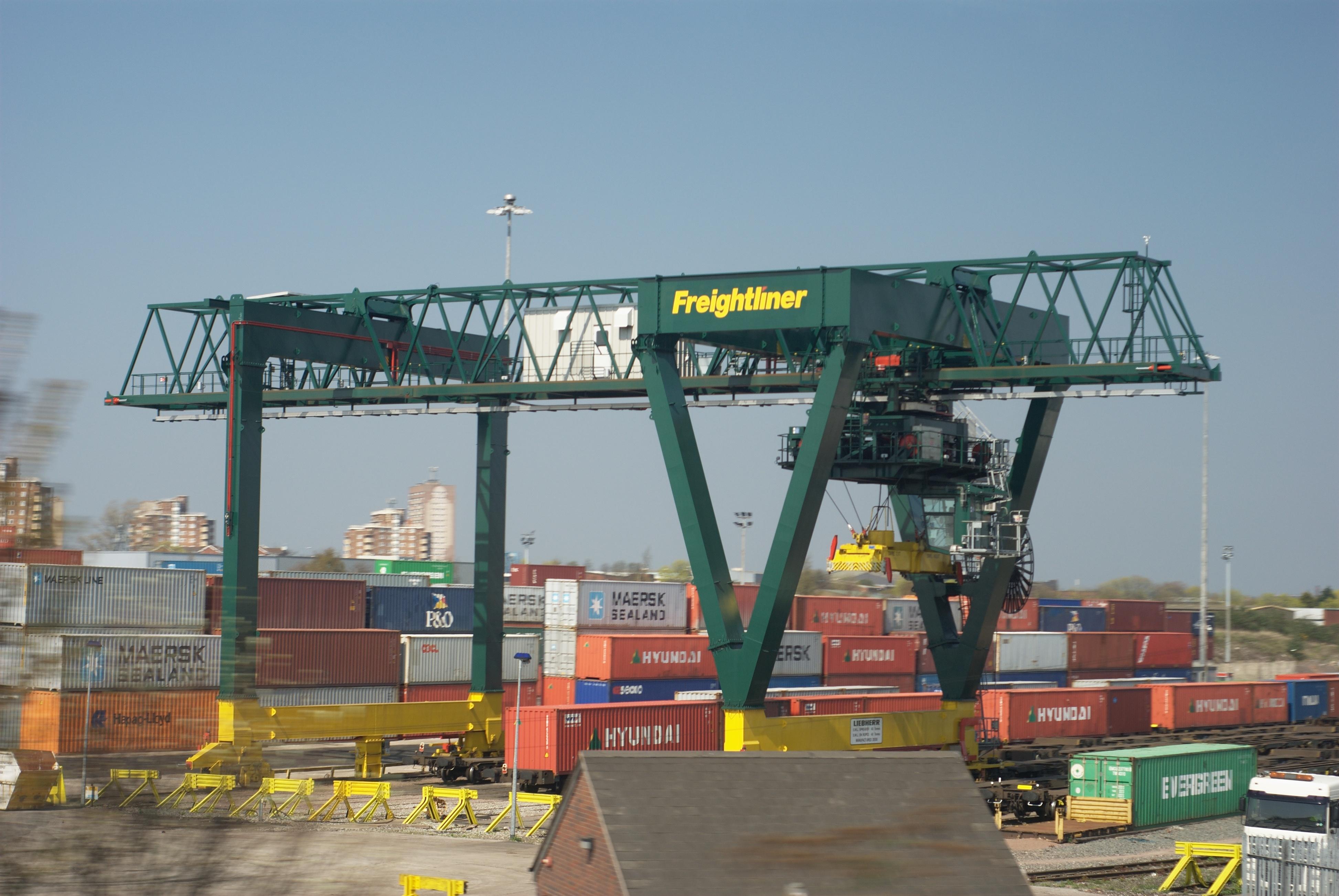 Over Head Cranes : File freightliner overhead crane g wikimedia commons