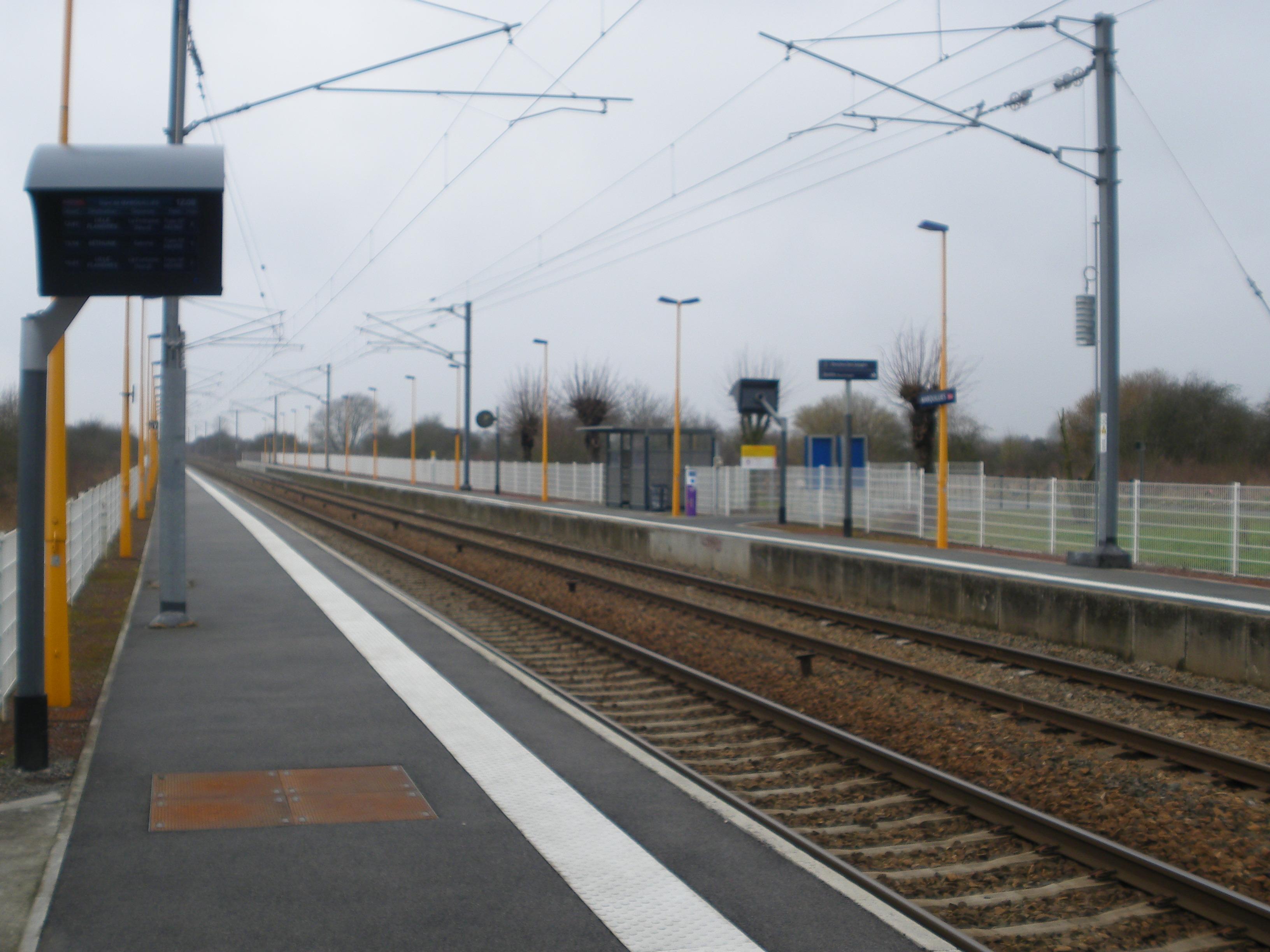 Portail Des Flandres Salome gare de marquillies — wikipédia