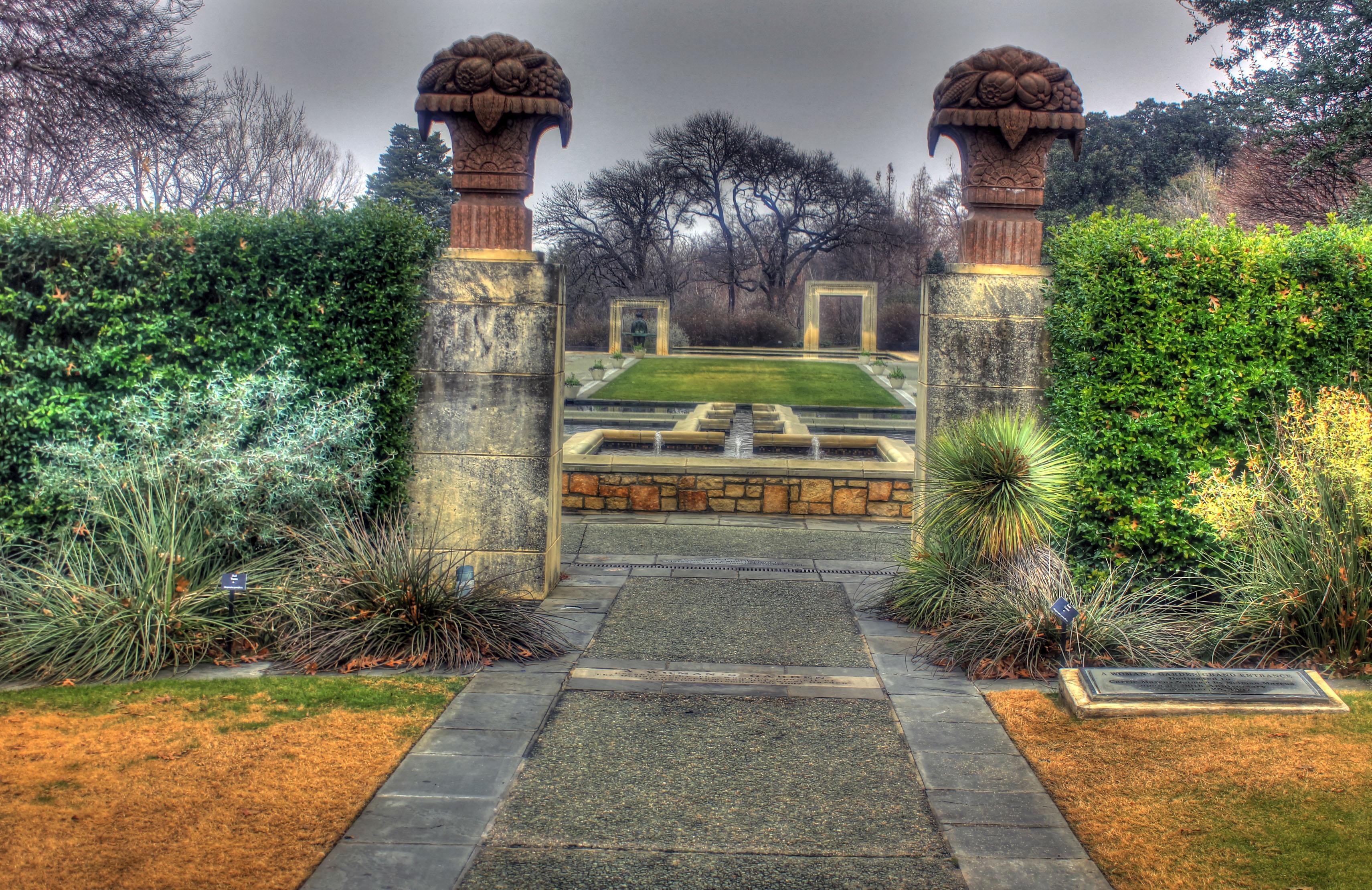 File:Gfp Texas Dallas Arboretum Garden Gate