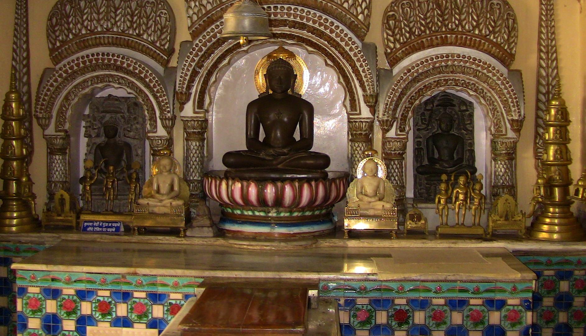 Hanumantal Bada Jain Mandir
