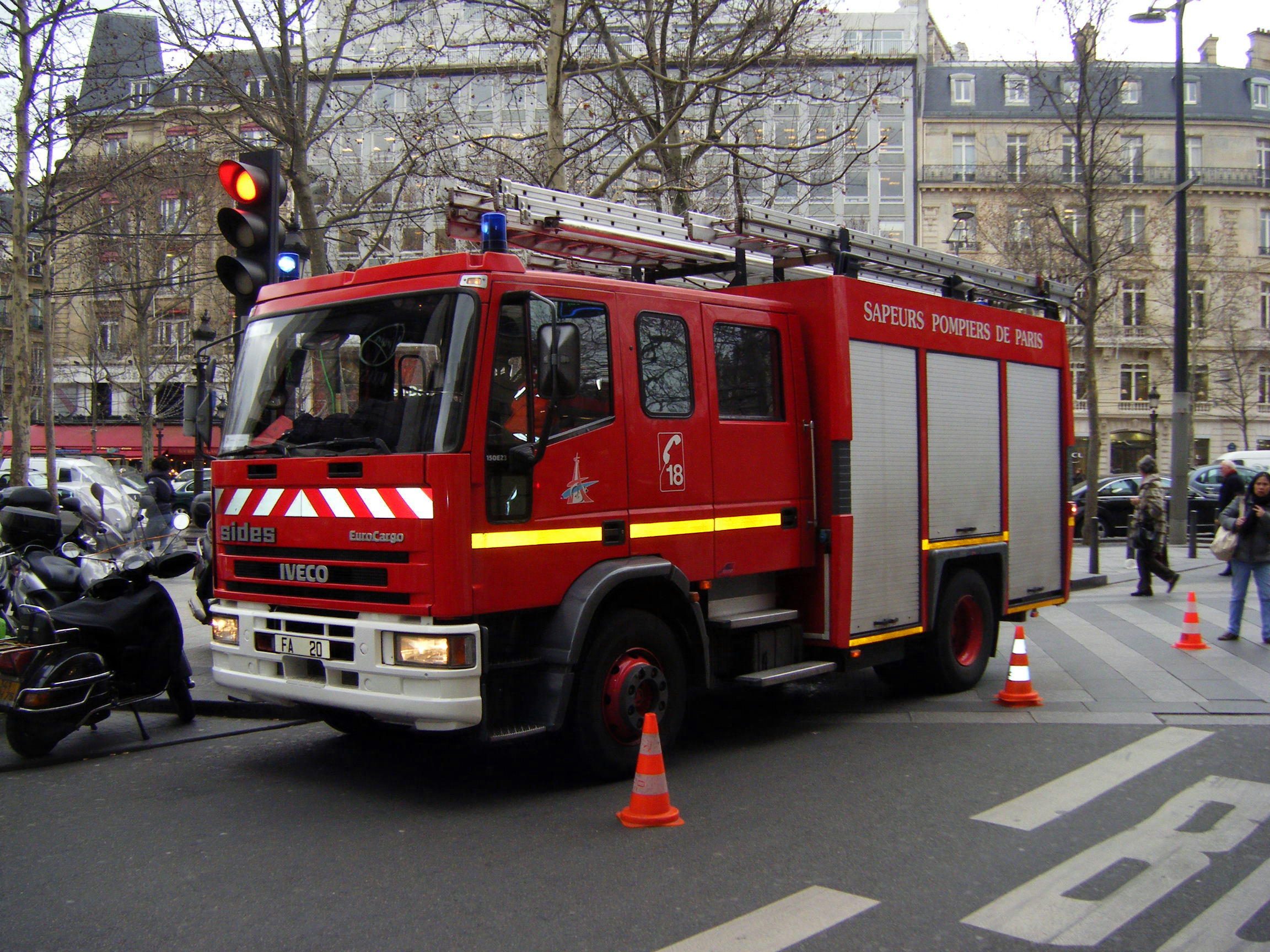 Paris fire brigade military wiki fandom powered by wikia - Camion de pompier image ...