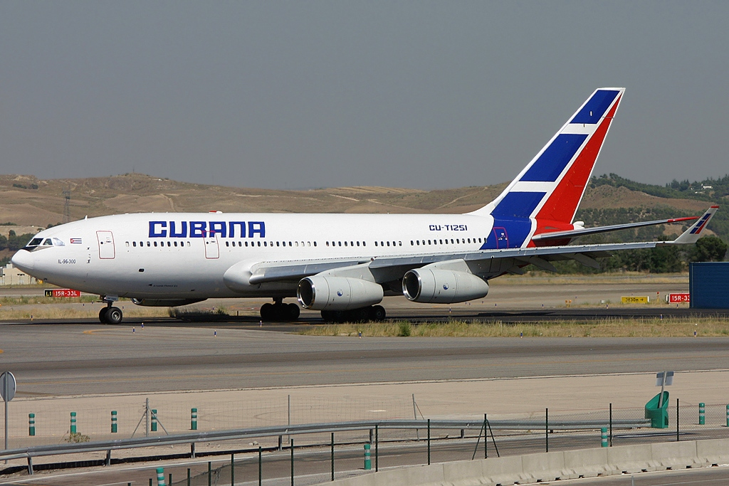 File Ilyushin Il 96 300 Cubana De Aviacion Jp6032206 Jpg Wikimedia Commons