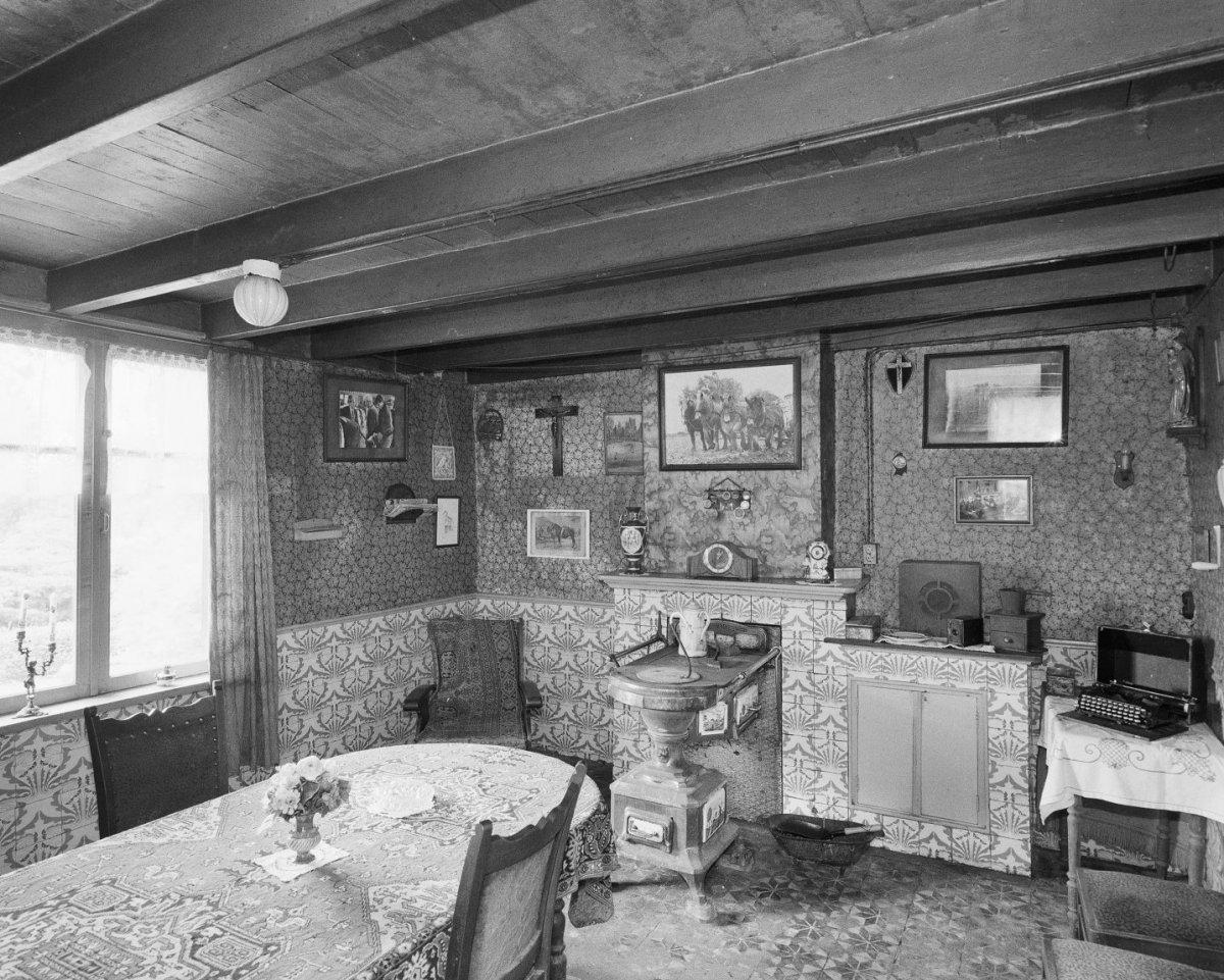 File interieur boerderij kamer oud gastel 20001649 for Kamer interieur
