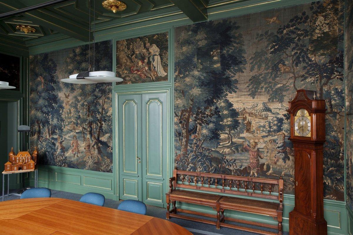 File interieur overzicht van de blauwe kamer met zicht op de toegangsdeur oegstgeest - Blauwe kamer ...