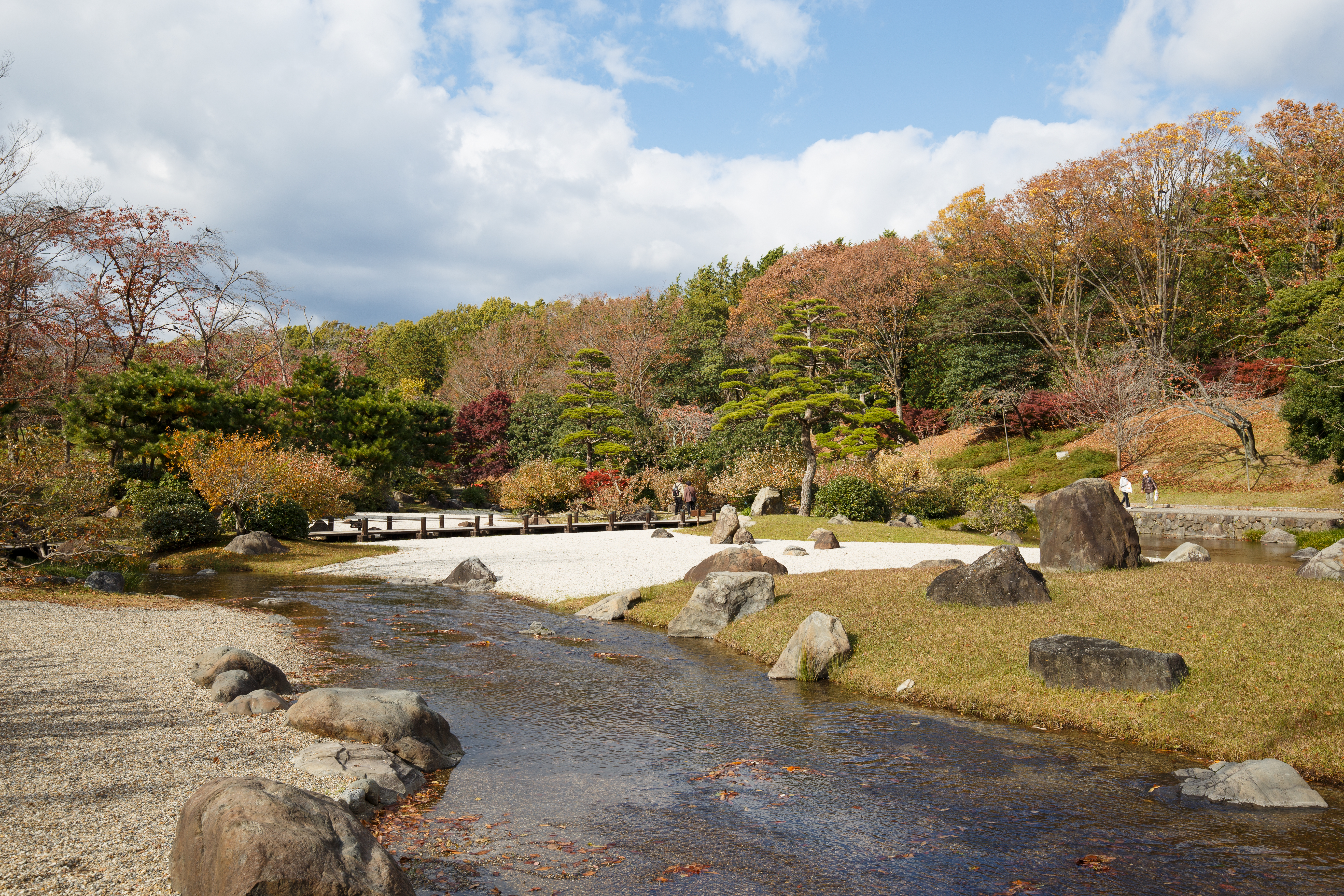 File:Japanese garden scenery at Expo\'70 Commemorative Park in Osaka ...