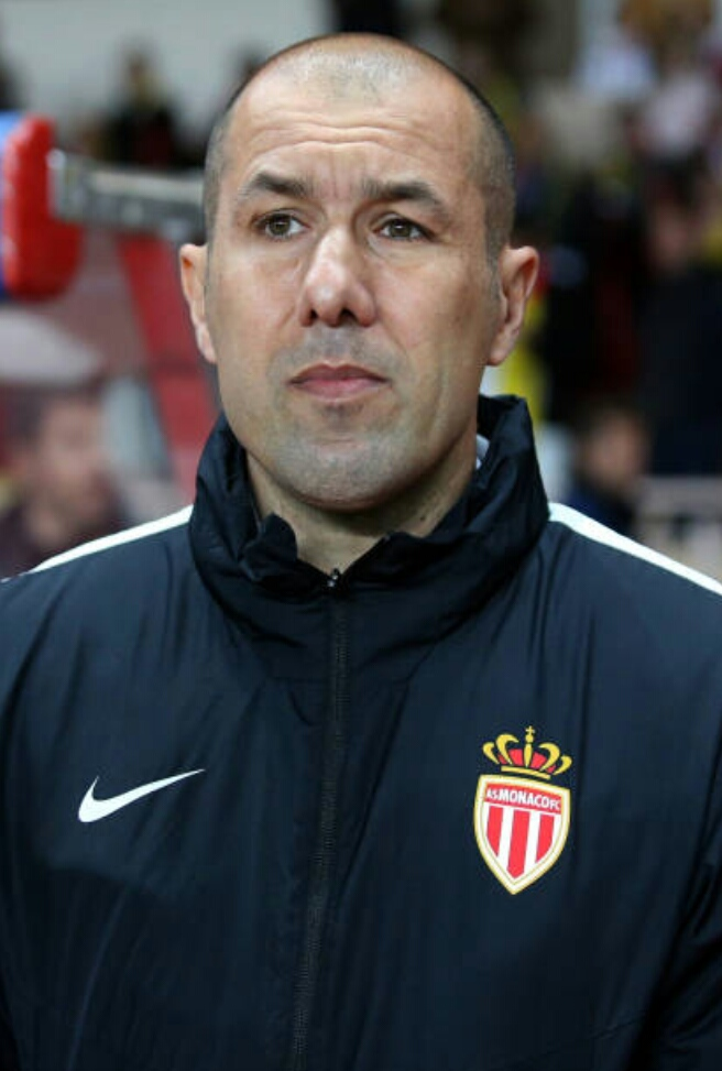 The 44-year old son of father (?) and mother(?) Leonardo Jardim in 2018 photo. Leonardo Jardim earned a  million dollar salary - leaving the net worth at 8 million in 2018