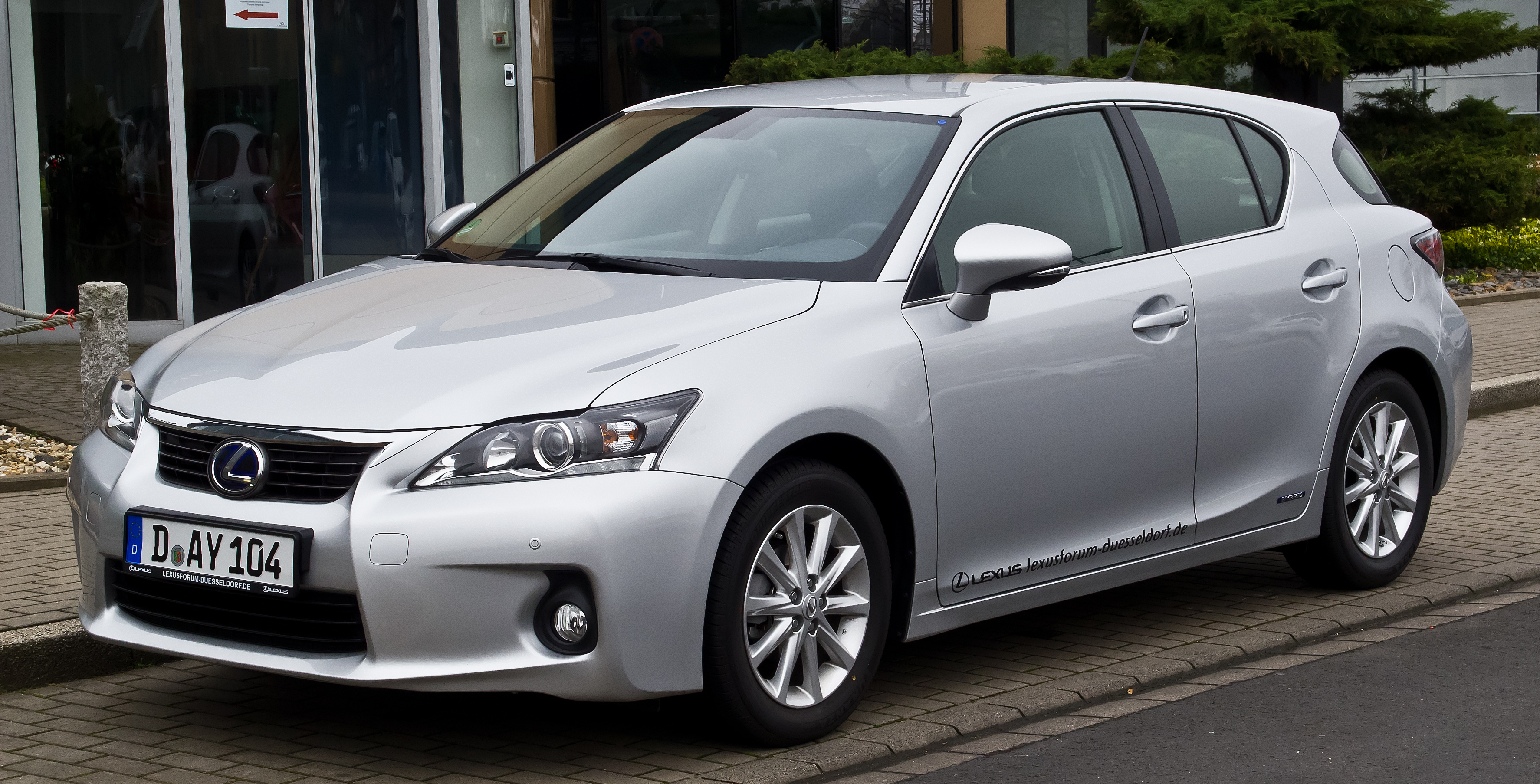 File lexus ct 200h executive line zwa10 frontansicht 16 m rz