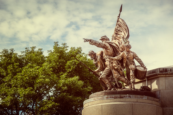 File:Lincoln tomb (Civil War statue).jpg
