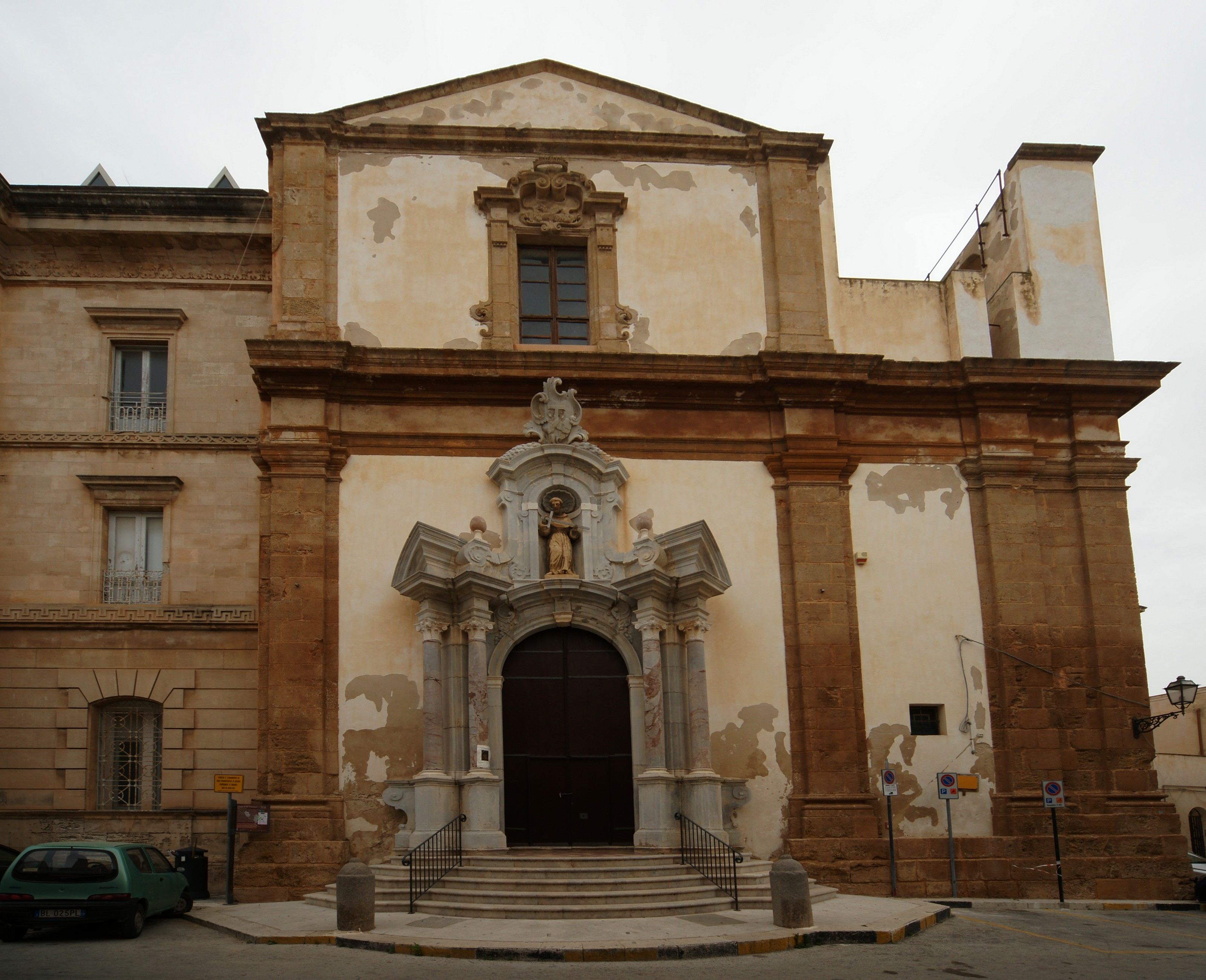 Marsala-chiesa-di-s-francesco-d-assisi.JPG