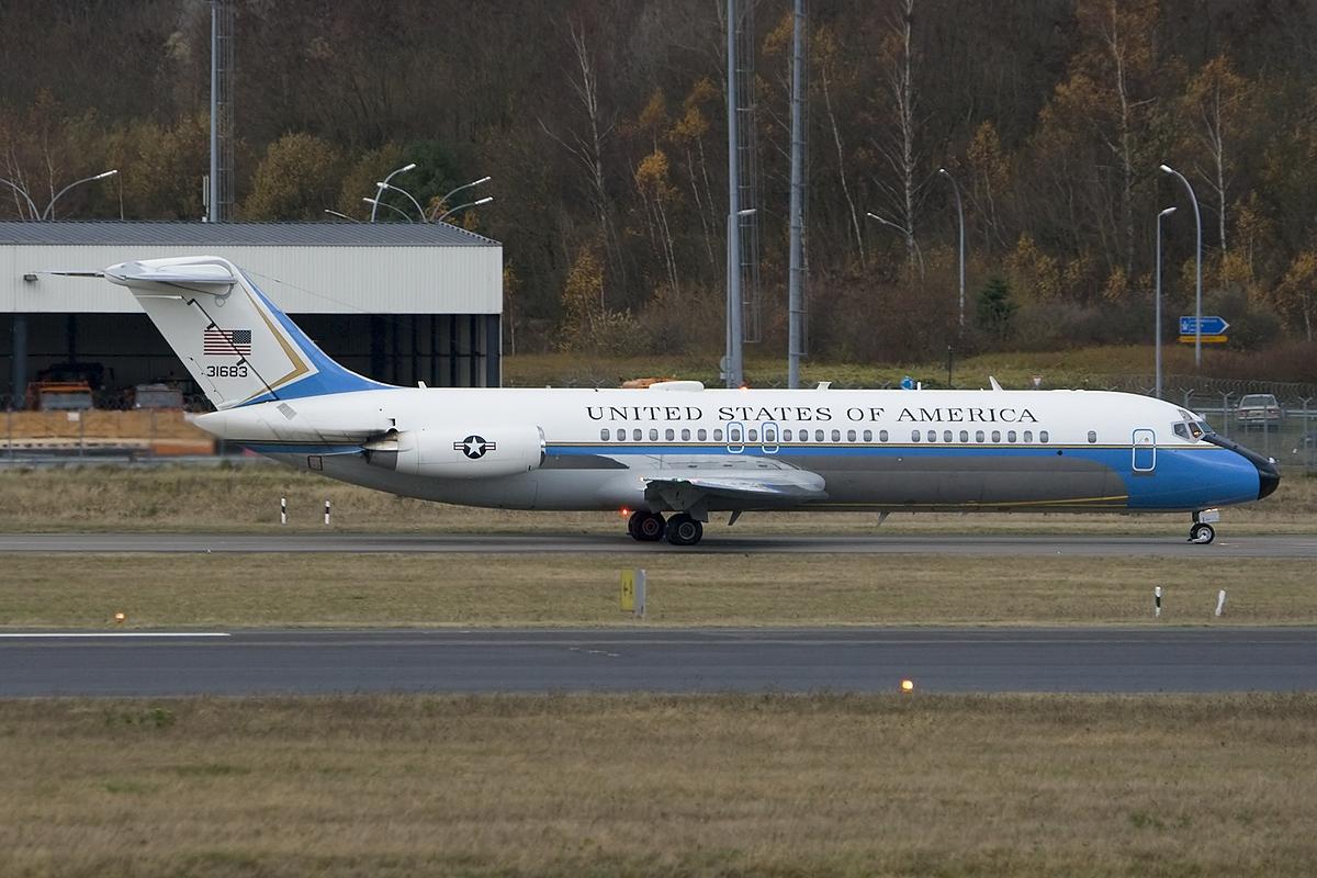 ䷹�c��#����/)9.��.�_File:McDonnellDouglasVC-9C,UnitedStates-USAirForce(USAF)JP6725512.jpg