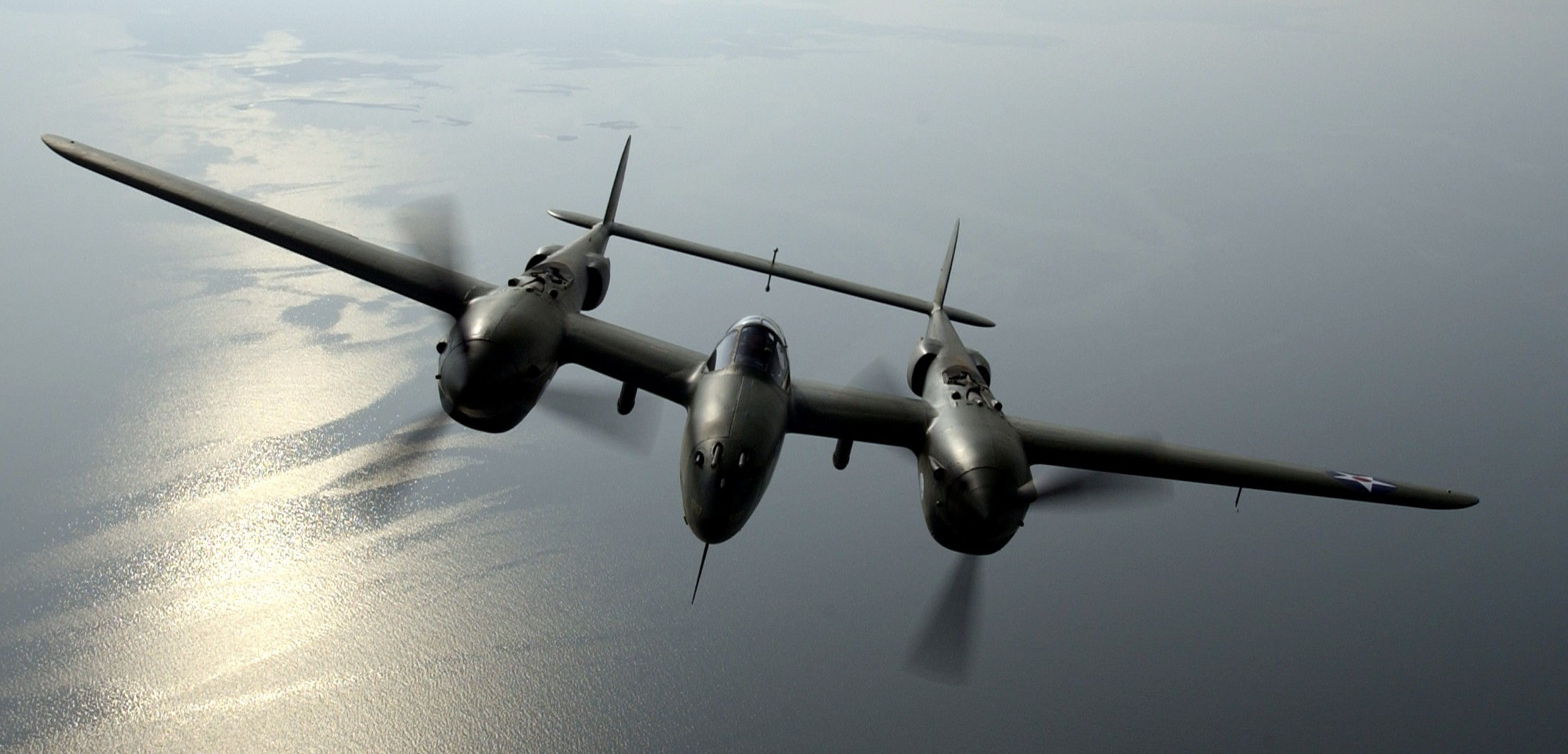 P38 dans photo P-38_Lightning_head-on