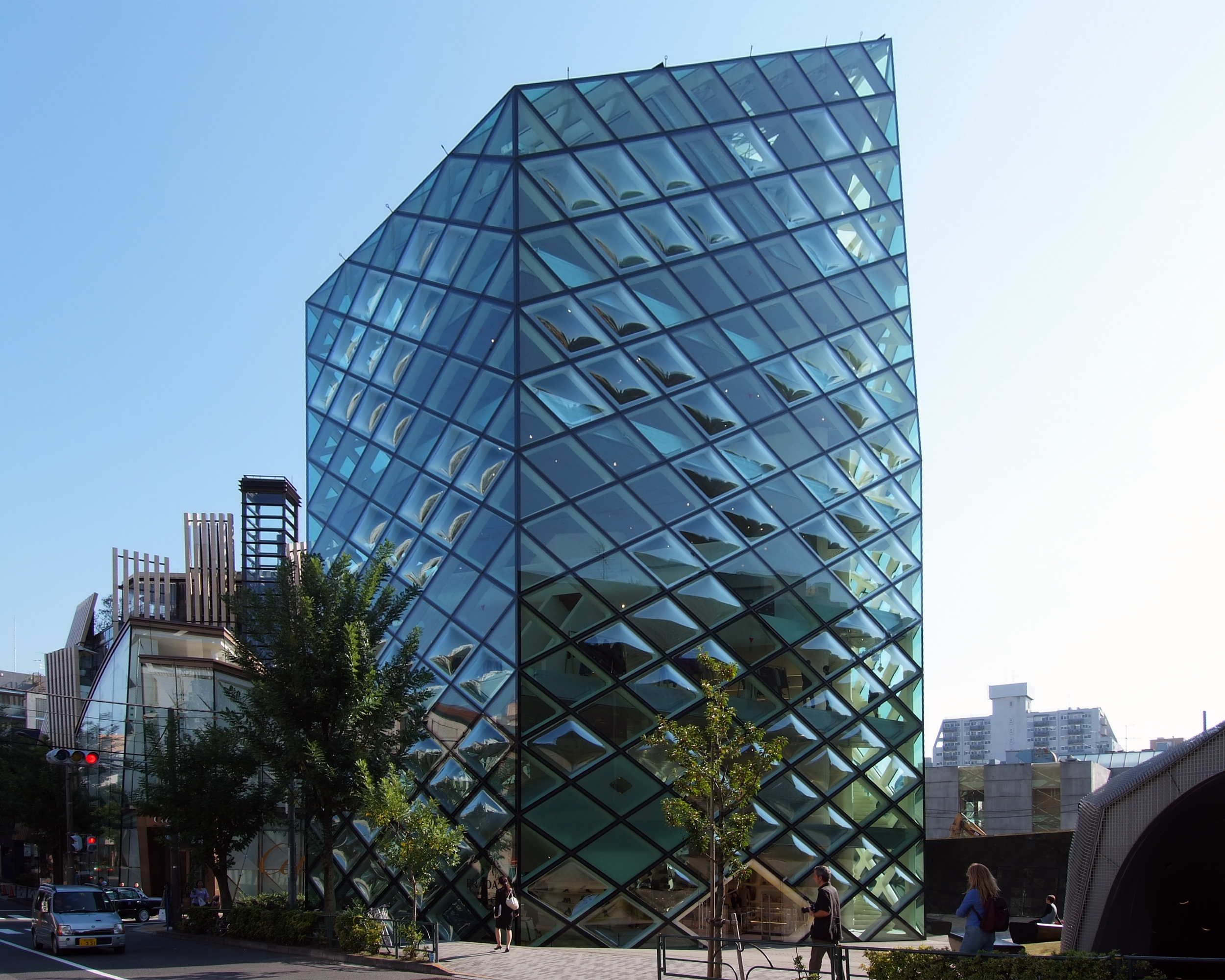 Prada store aoyama epicenter minato ku for Architecture tokyo