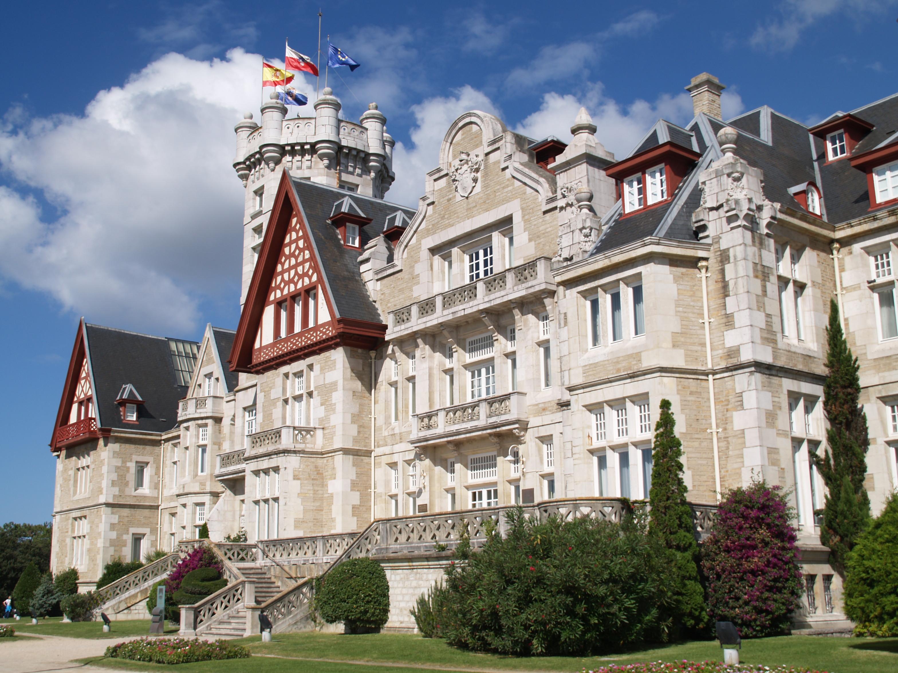 File palacio de la magdalena y sus jard nes iv jpg for Villas la magdalena 4