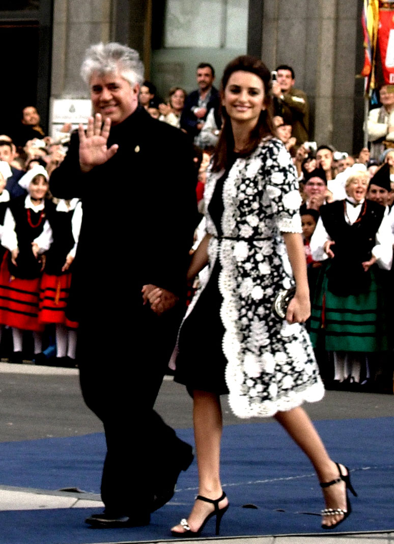 Pedro Almodovar and Pen%C3%A9lope Cruz.jpg
