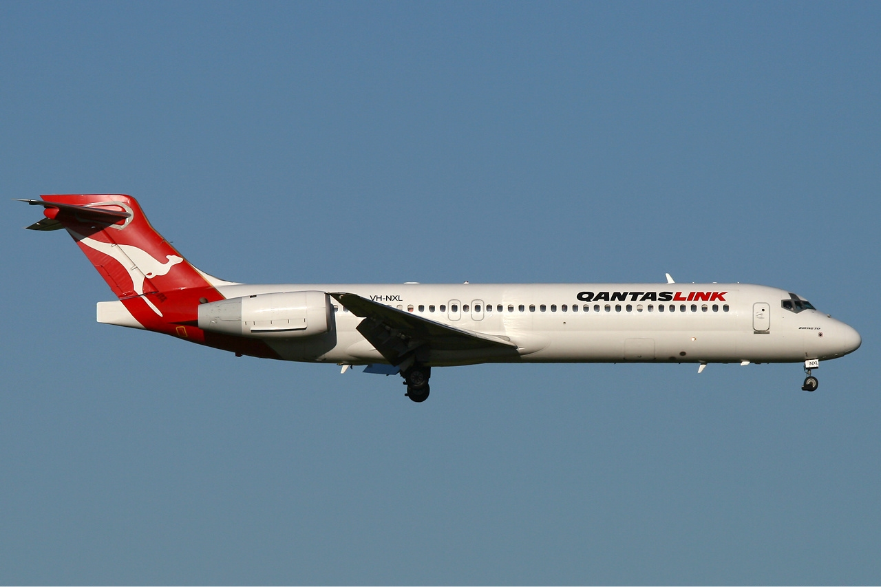File:QantasLink (National Jet Systems) Boeing 717-200 PER Lim-2