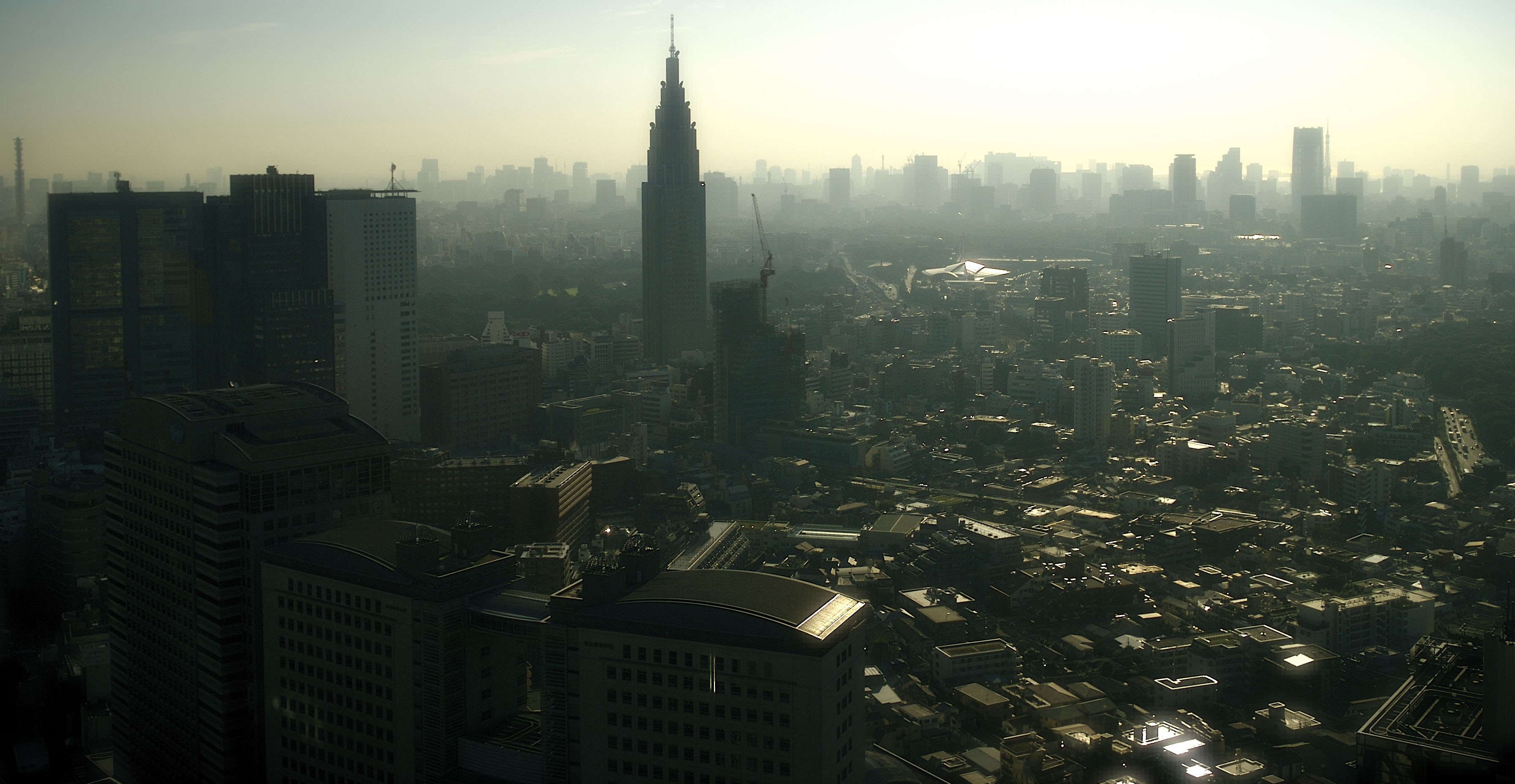 What Is Smog >> File:Shinjuku smog cityscape.jpg - Wikimedia Commons