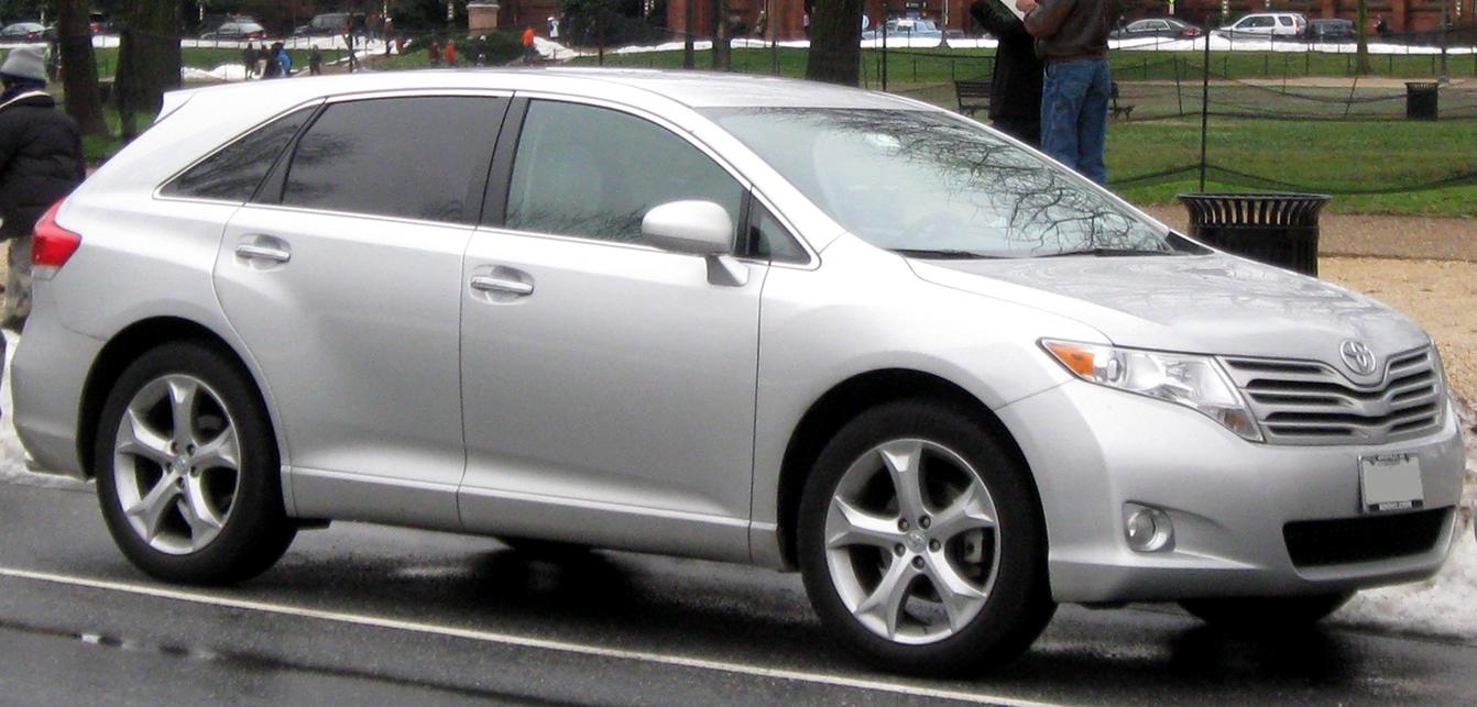 File:Toyota Venza -- 12-26-2009.jpg - Wikimedia Commons