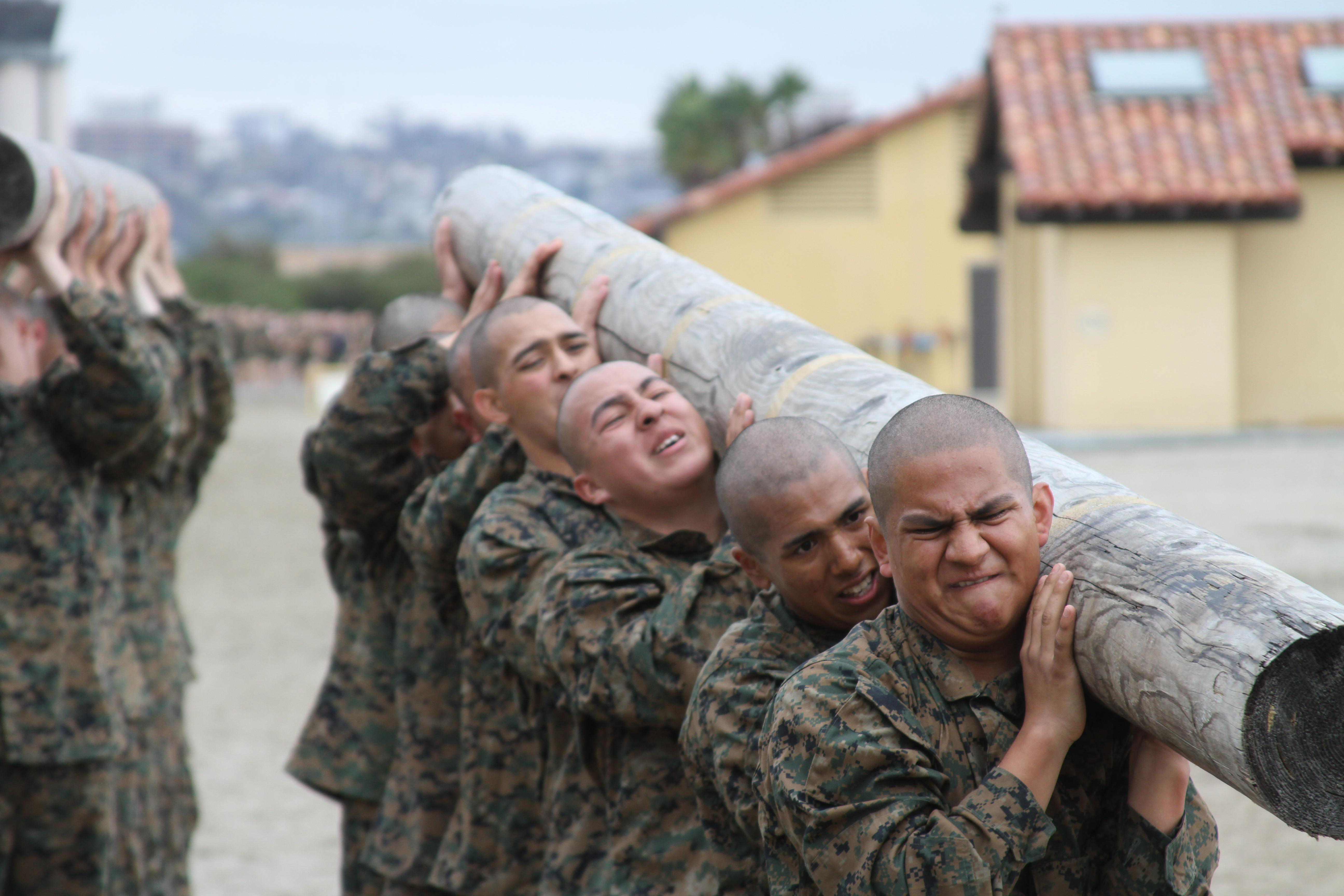 File:U.S. Marine recruits struggle to lift the front end ...