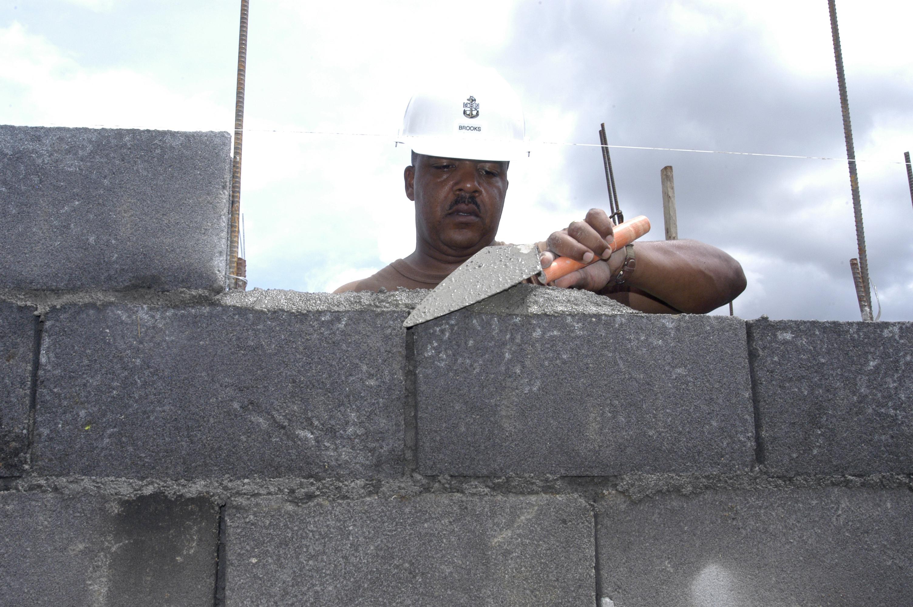 File Us Navy 070626 N 6410j 048 Senior Chief Builder James
