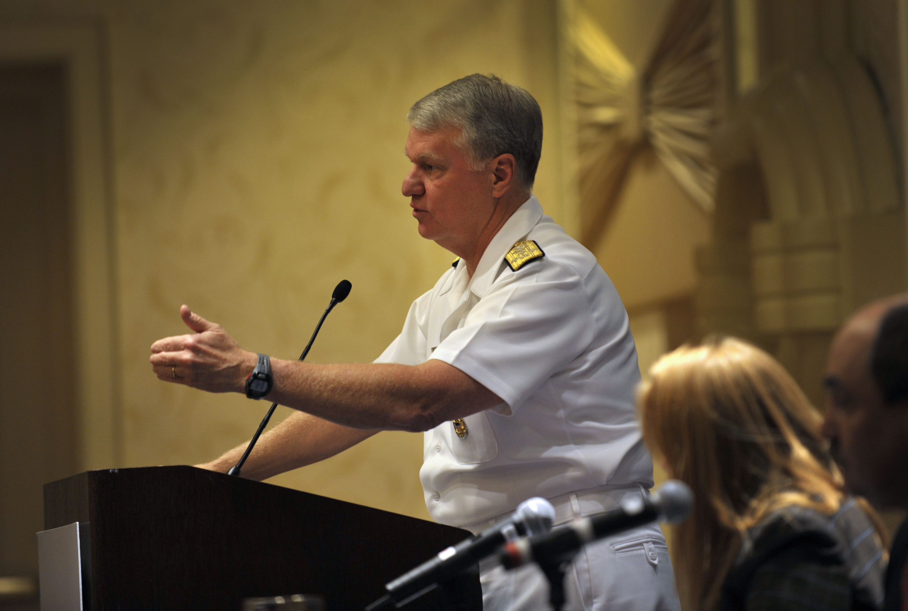 File:US Navy 091001-N-8273J-153 Chief of Naval Operations