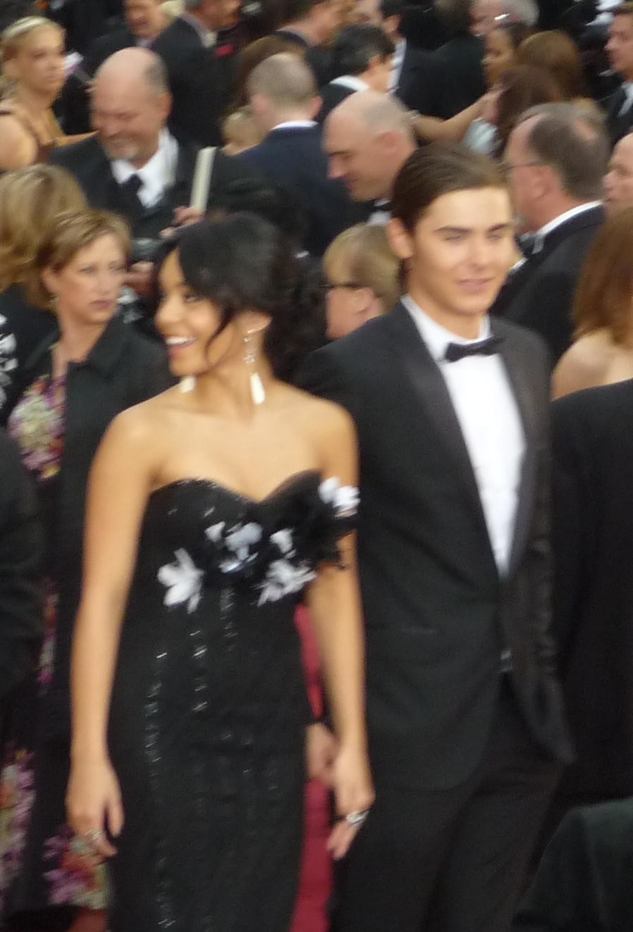 is Vanessa Hudgens dating Zac Efron 2012 is Taylor Swift dating Harry Styles 2014