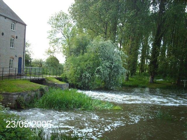 Warmington Mill on the River Nene - geograph.org.uk - 265716