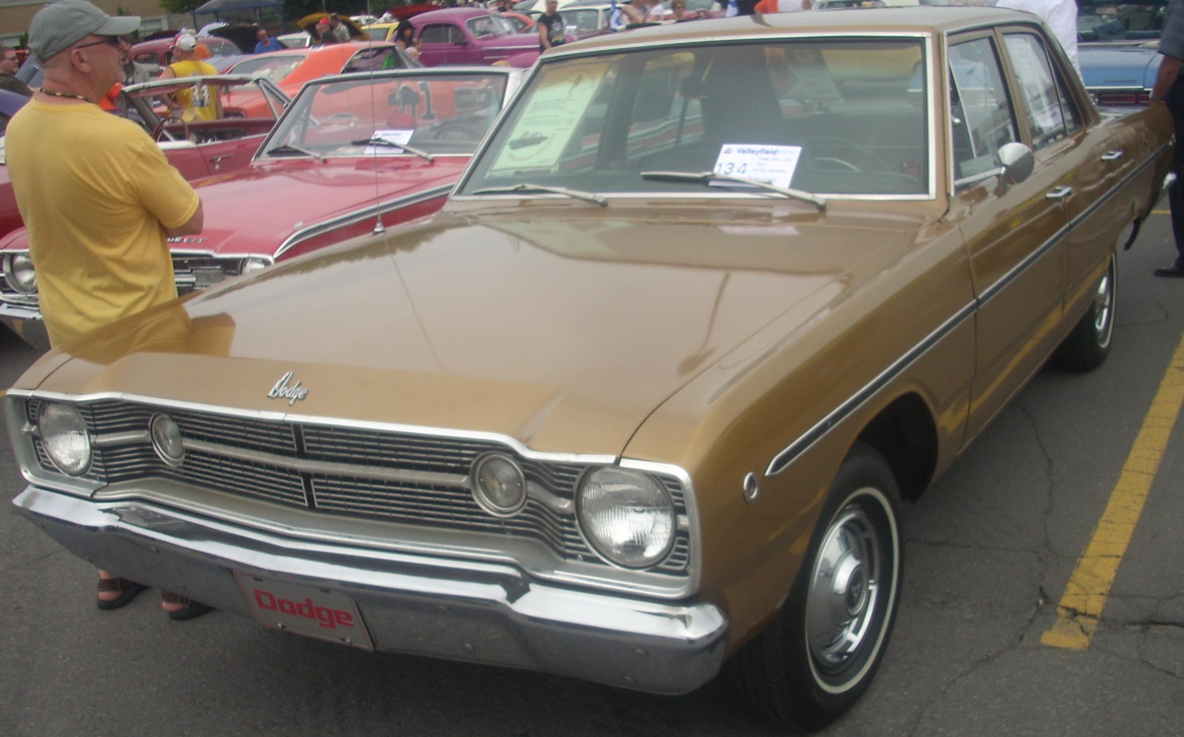 File 68 Dodge Dart Sedan Rassemblement Mopar Valleyfield 10