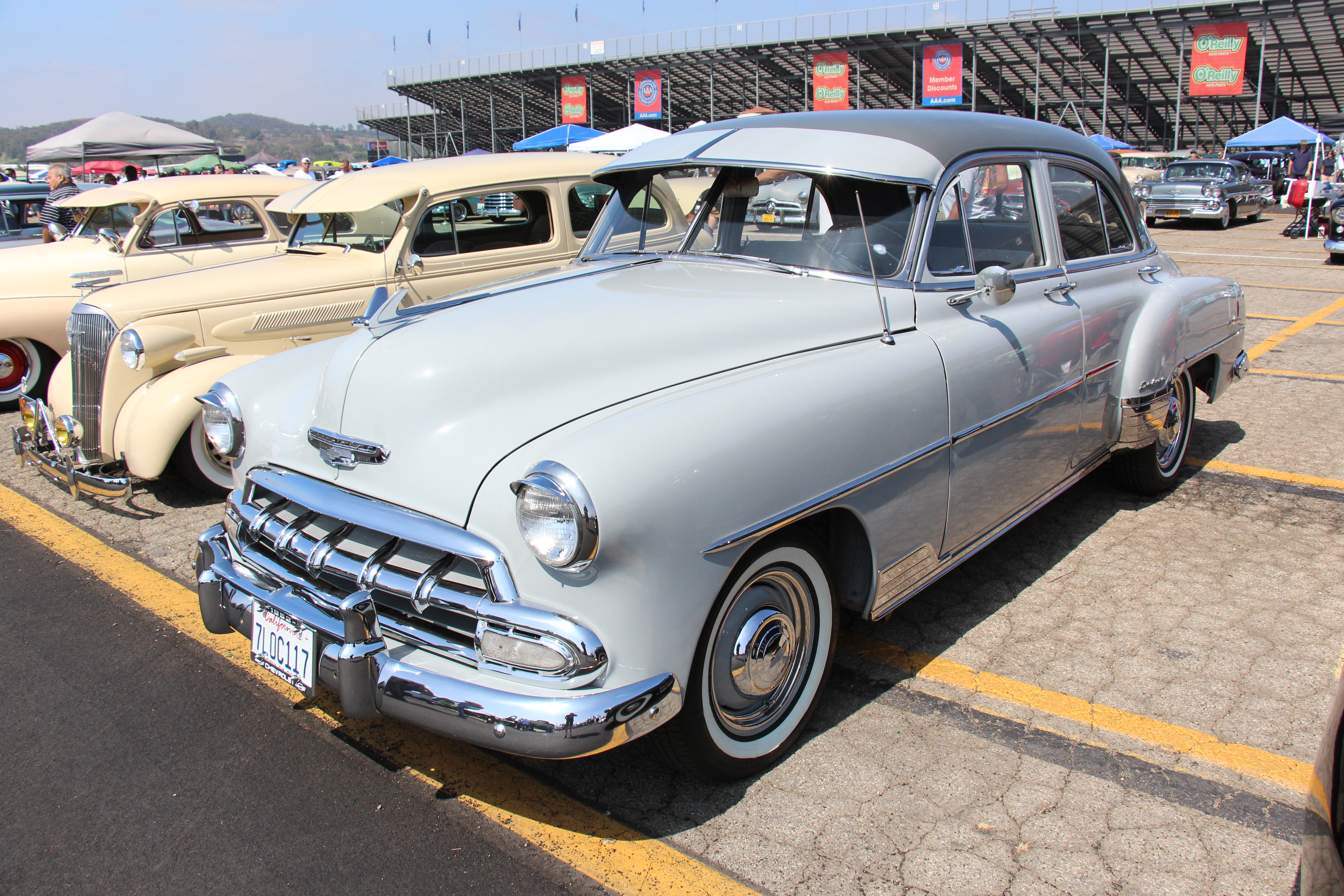 File 1952 chevrolet styleline deluxe sedan 21076402760 for 1952 chevrolet styleline deluxe 2 door sedan