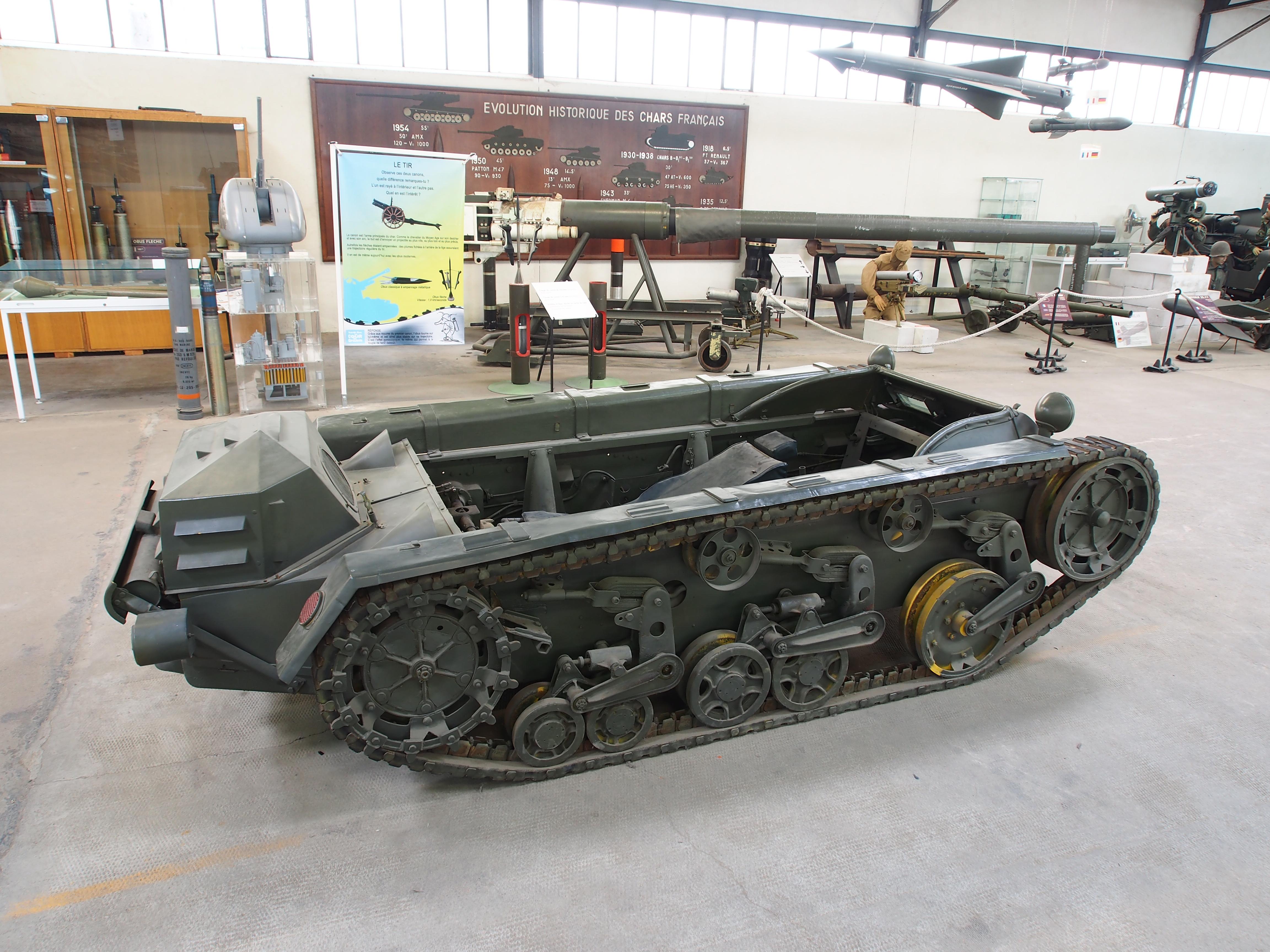 1955_Fouga_VP_90%2C_Tanks_in_the_Mus%C3%