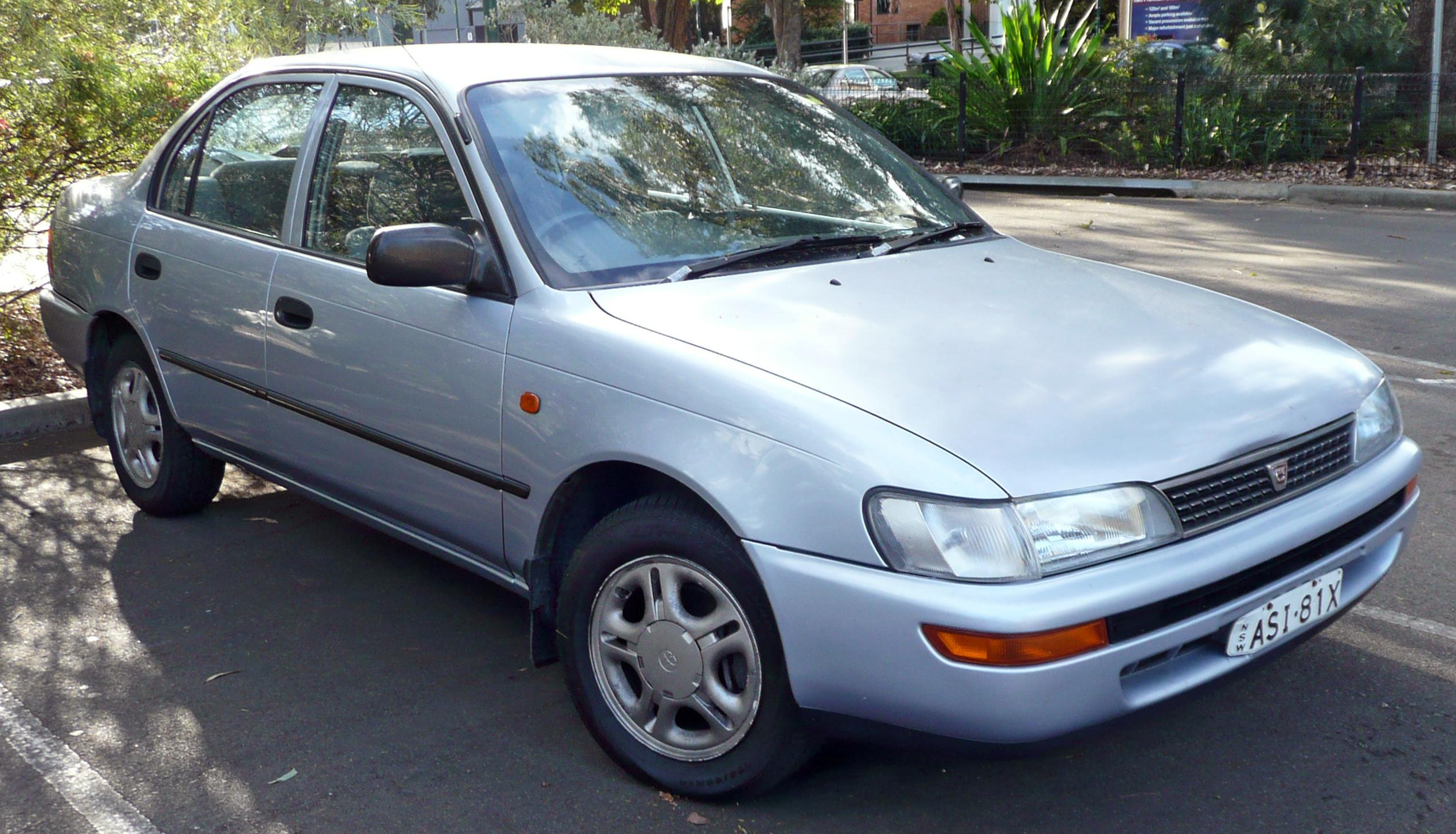 File:1996-1999 Toyota Corolla (AE101R) CSi sedan 02.jpg - Wikimedia ...