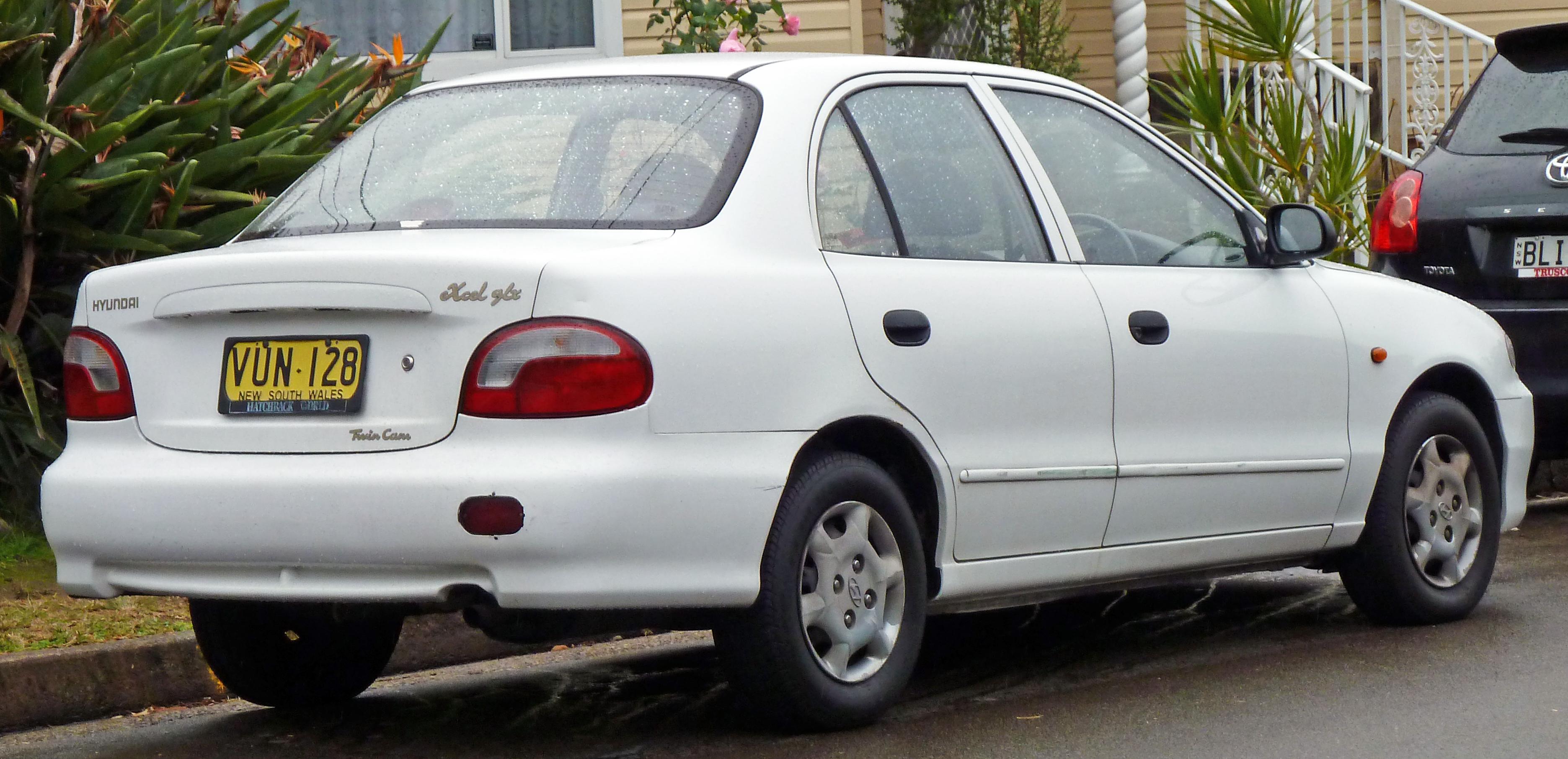 File:1997-2000 Hyundai Excel (X3) GLX sedan (2010-07