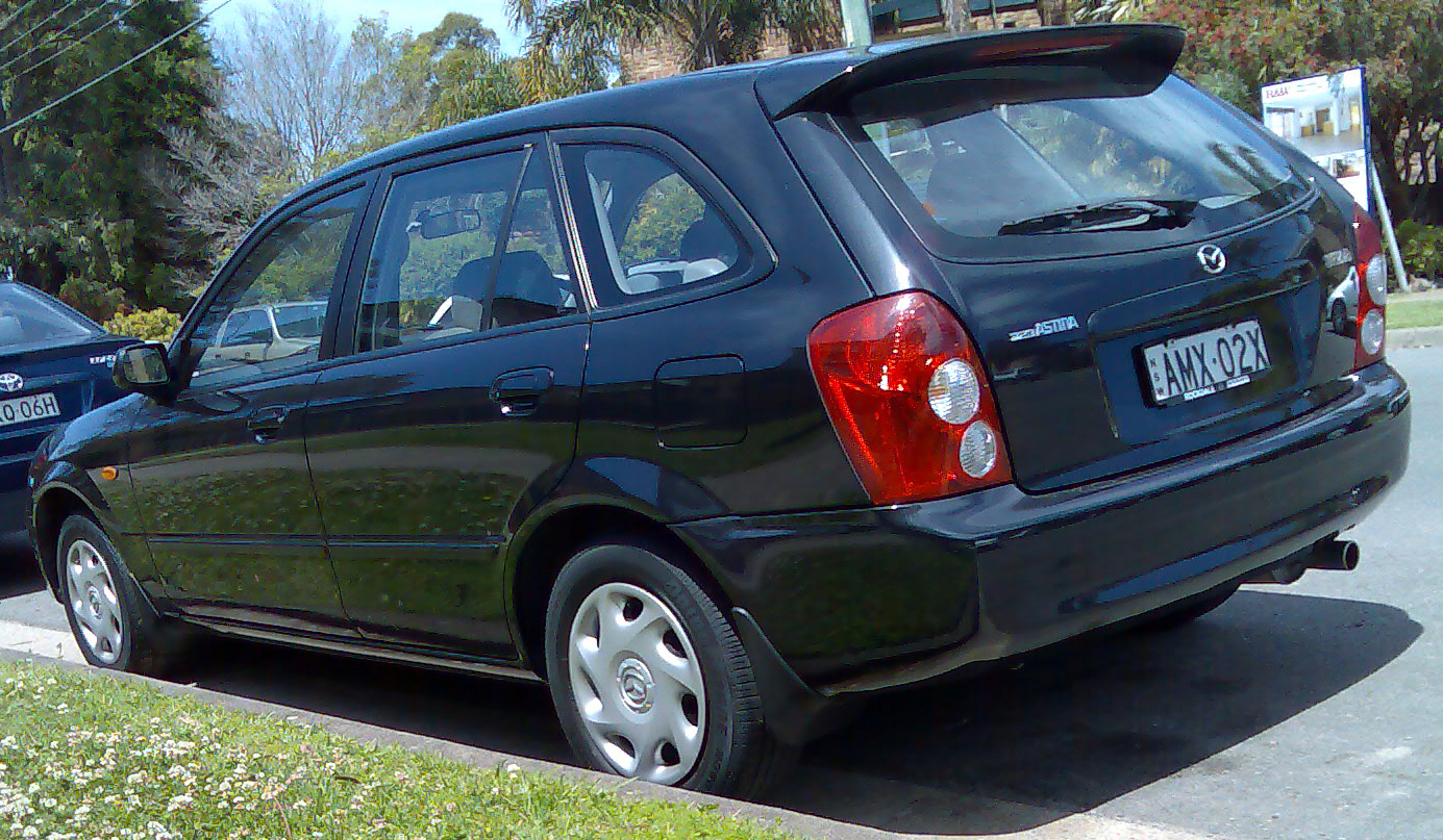 File:2002-2003 Mazda 323 (BJ Series 2) Astina 5-door hatchback 02.jpg - Wikimedia Commons