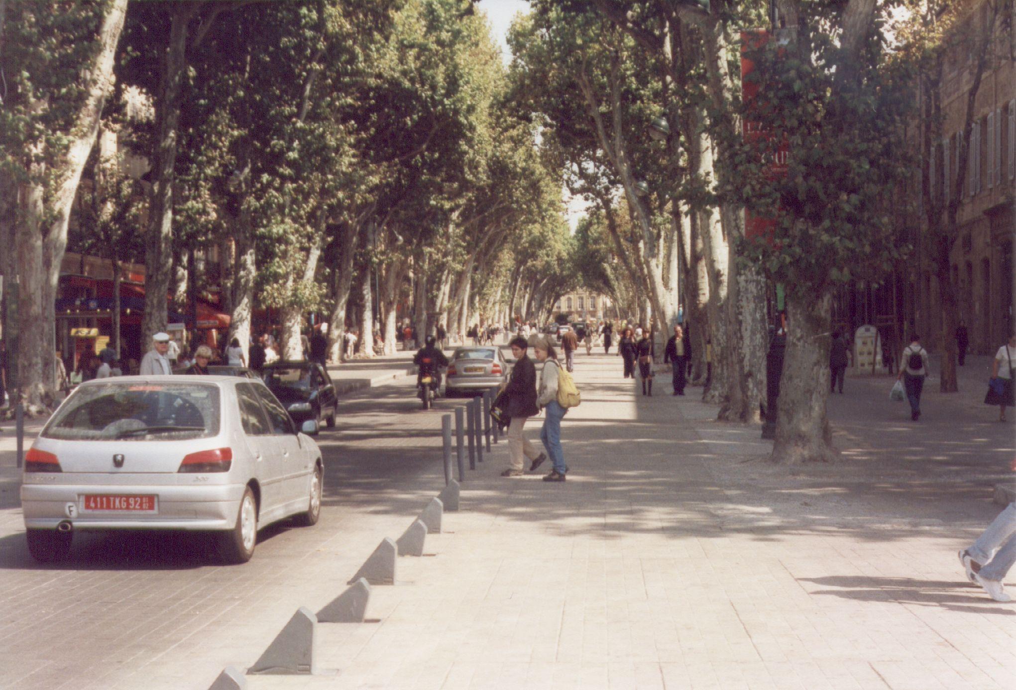 Aix-en-Provence-Cours-Mirabeau-Oct-2001.
