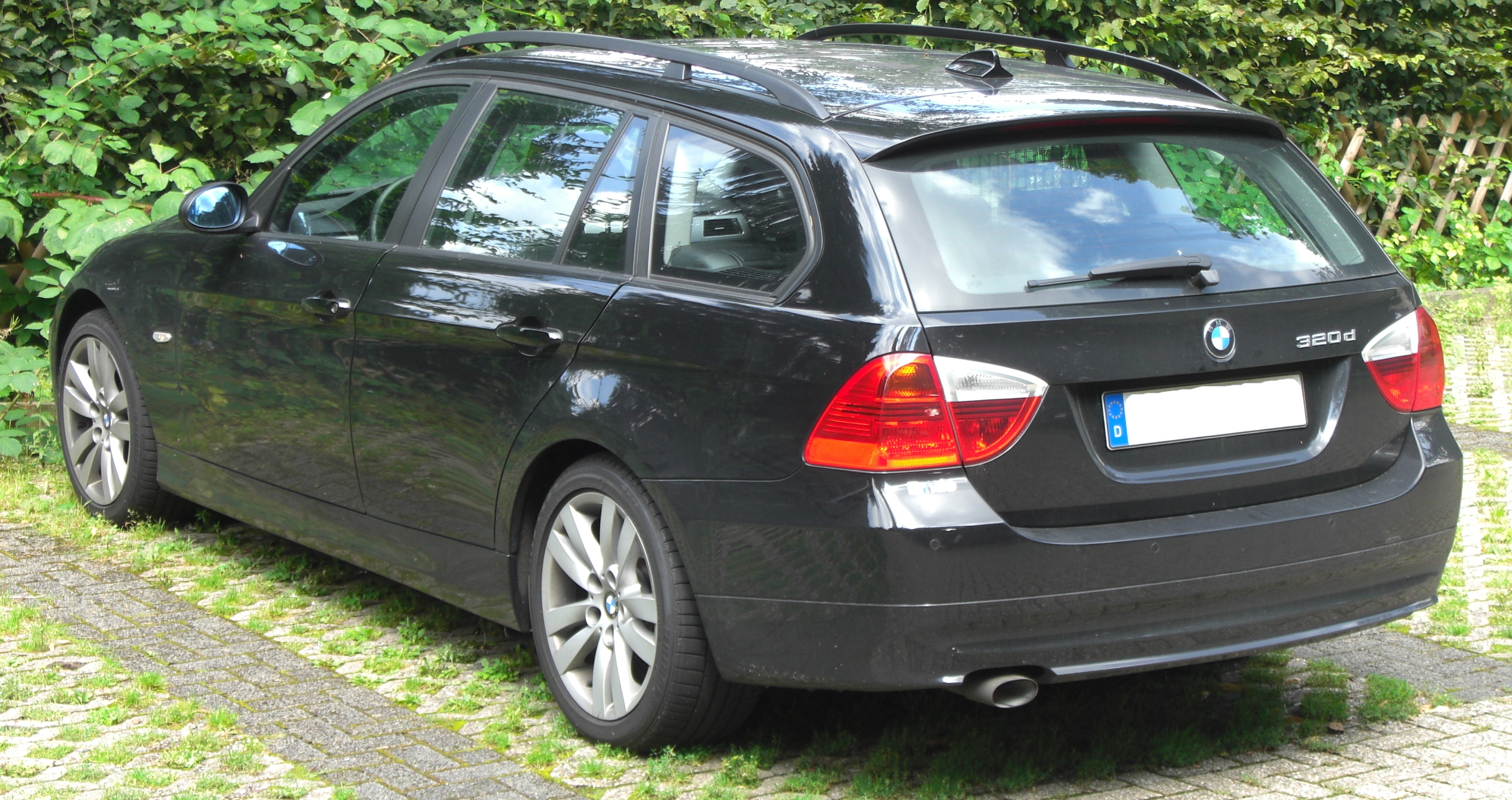 file bmw 320d touring e91 rear jpg wikimedia commons. Black Bedroom Furniture Sets. Home Design Ideas