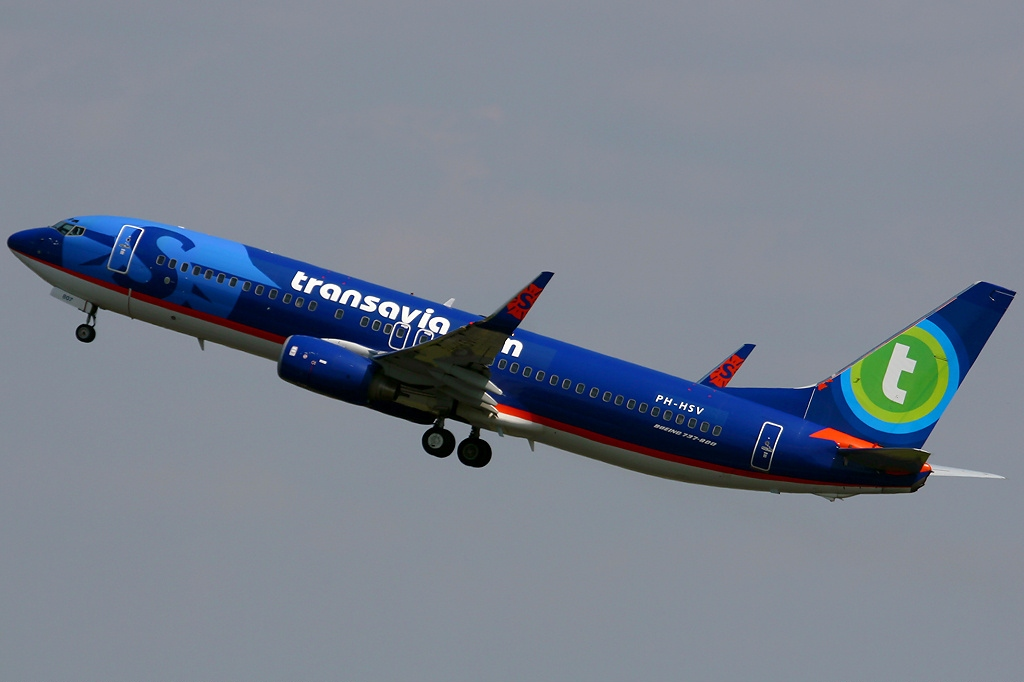 fileboeing 7378bk transavia airlines sun country