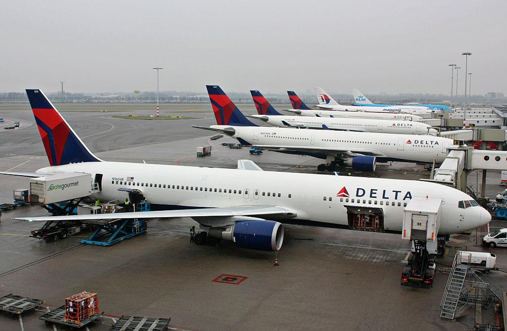 Авиакомпания Delta вовторник отменила новые рейсы