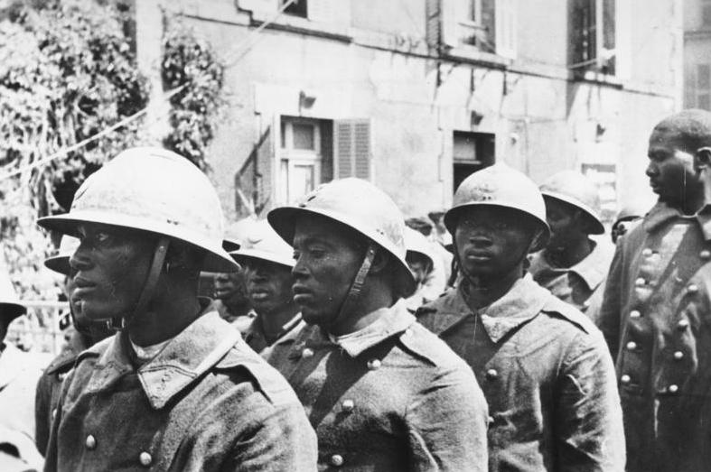 Bundesarchiv Bild 183-L05109, Kriegsgefangene französische Kolonialsoldaten