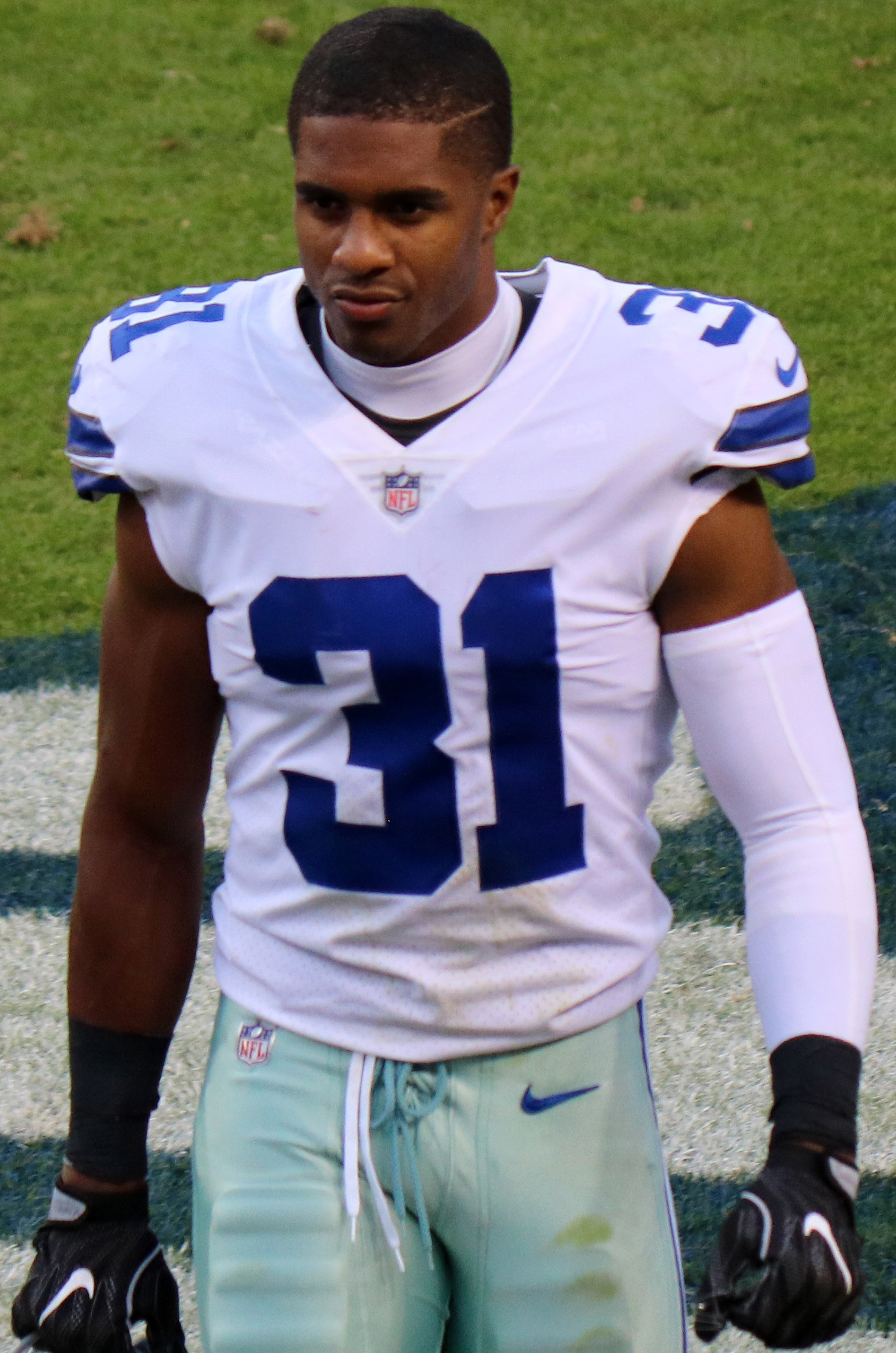 size 40 76949 60894 Byron Jones (American football) - Wikipedia