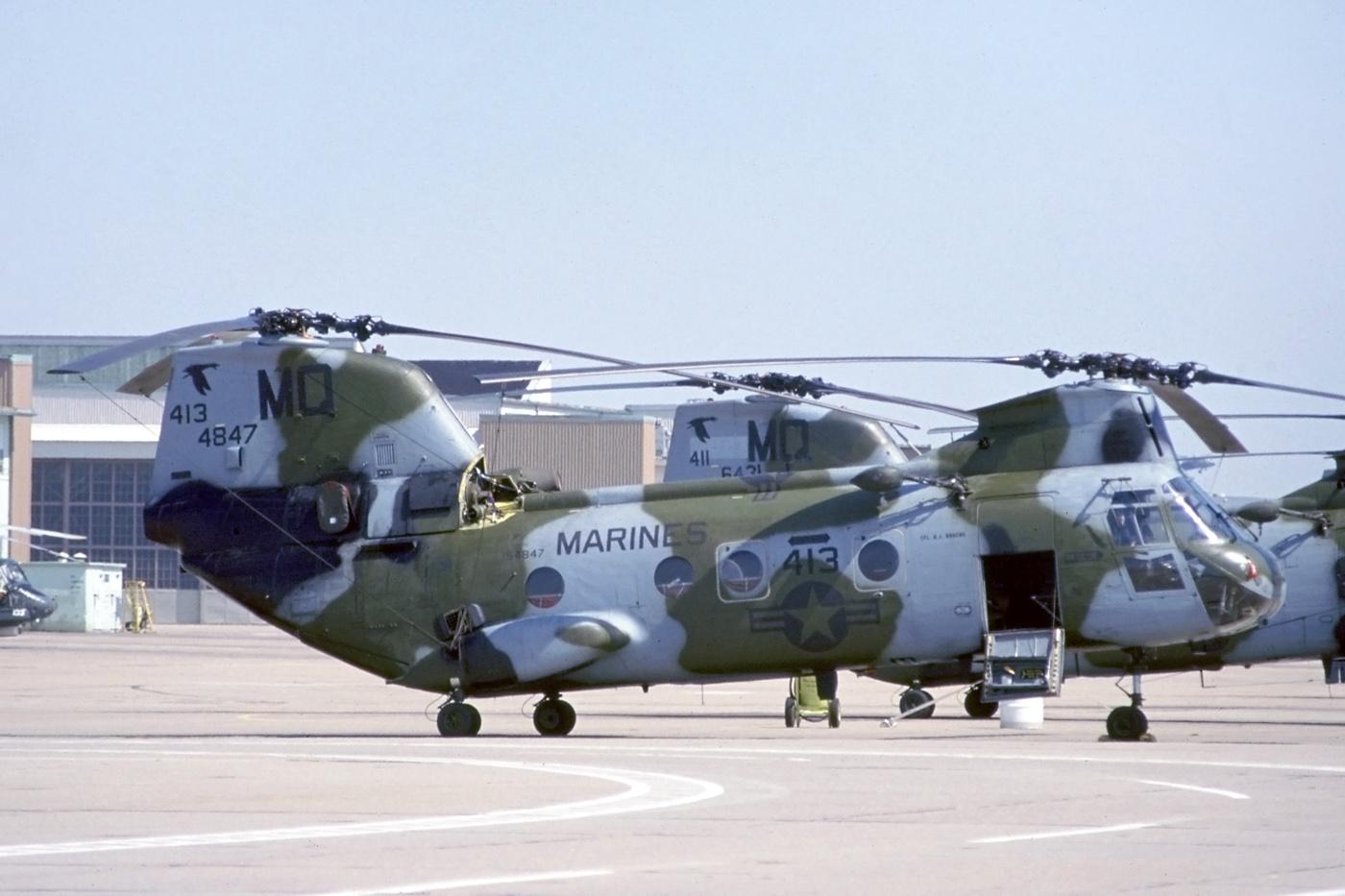 CH-46E_HMM-774_(26008443202).jpg