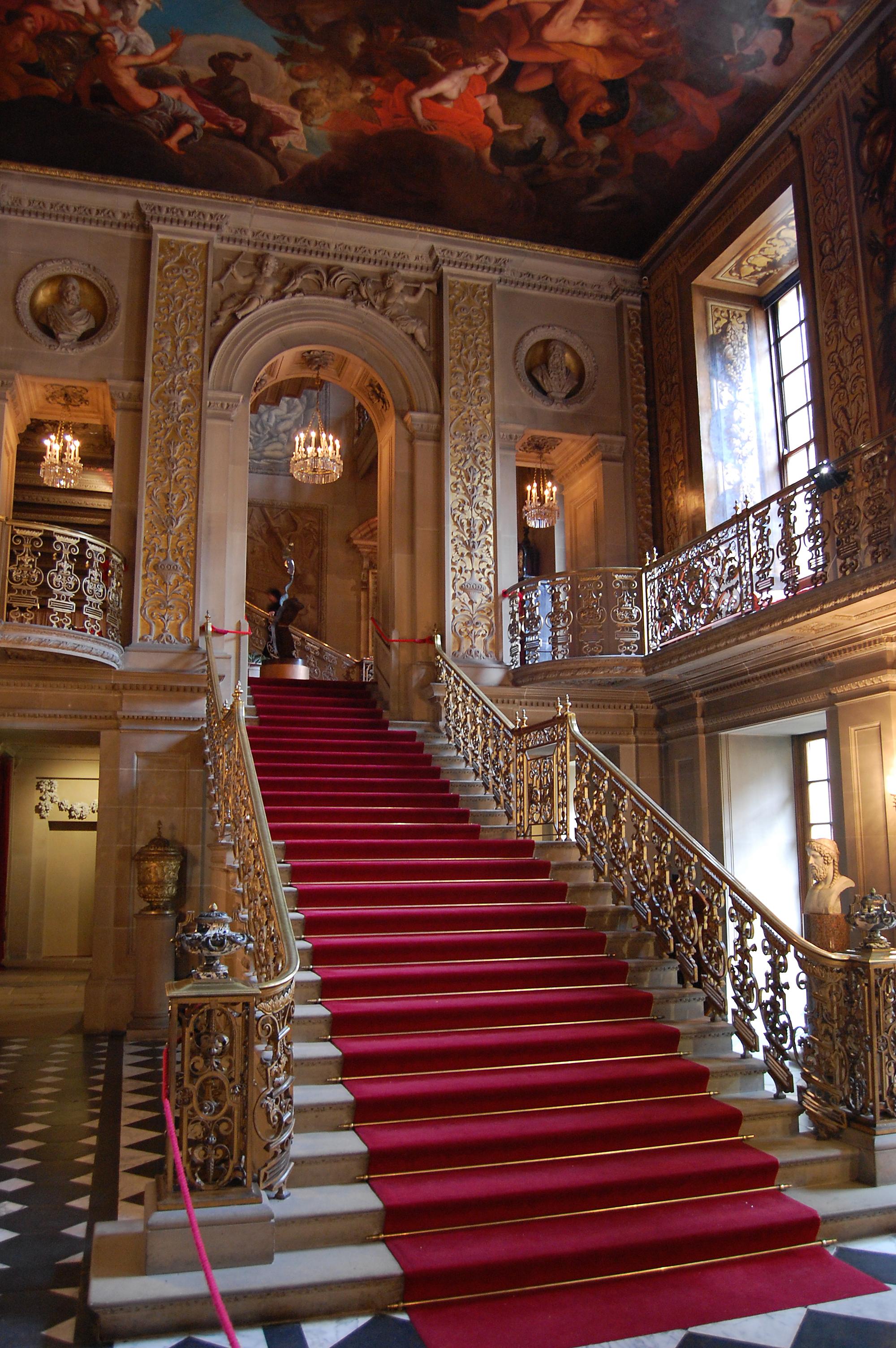 Chatsworth House History: File:Chatsworth Main Hallway.jpg
