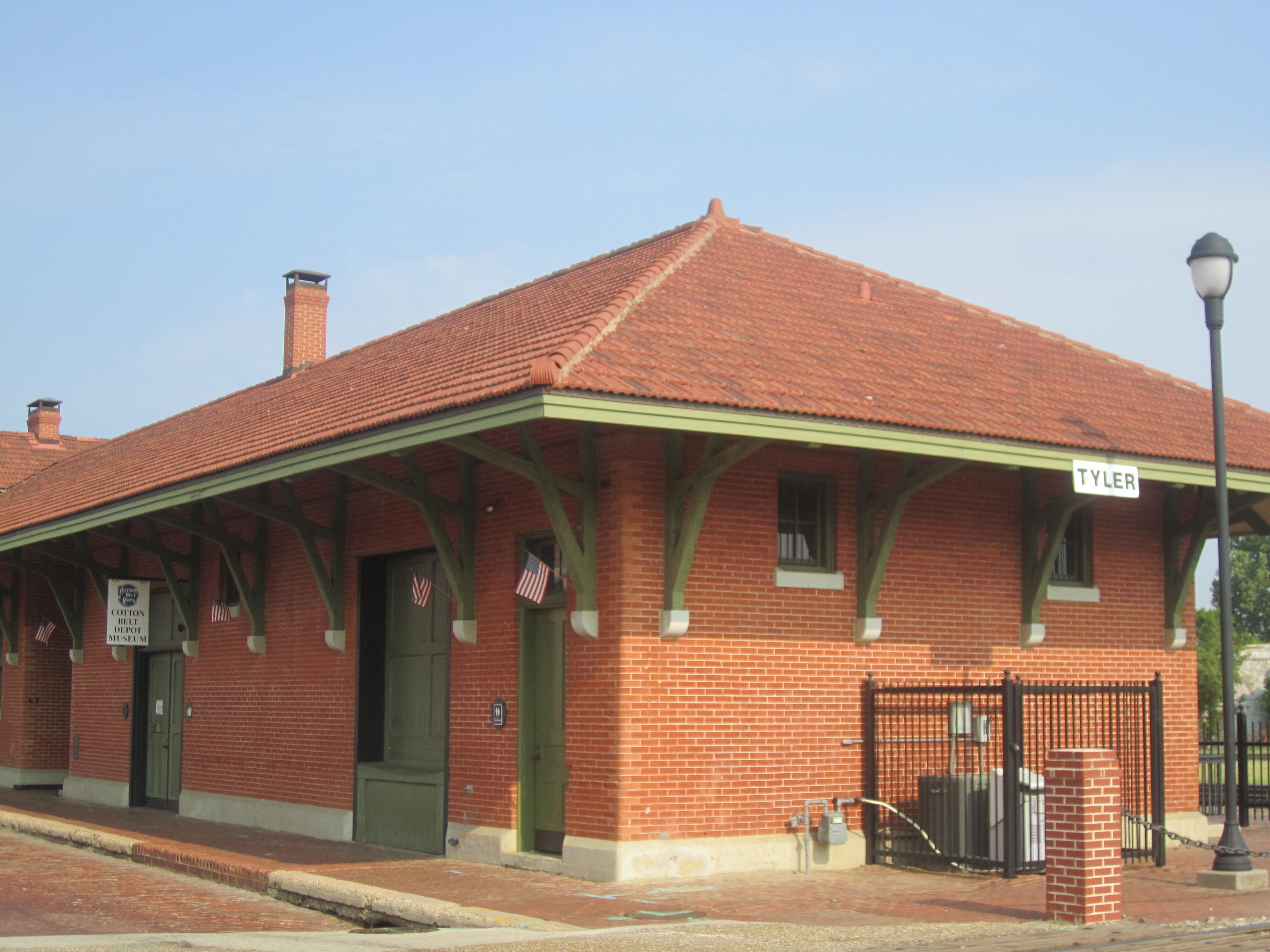 Gc3rrw8 cotton belt depot traditional cache in texas for Depot depot