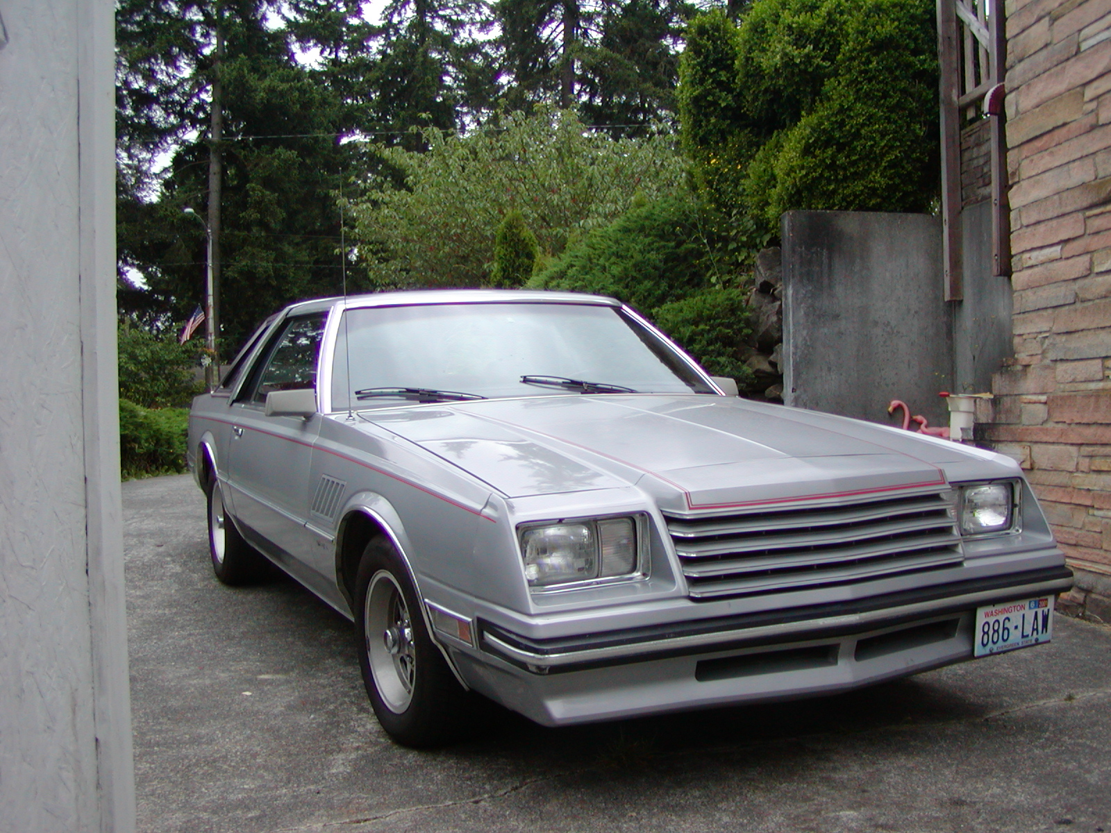 1980 Picture of luxury sedan Dodge Mirada, Stylish limousine