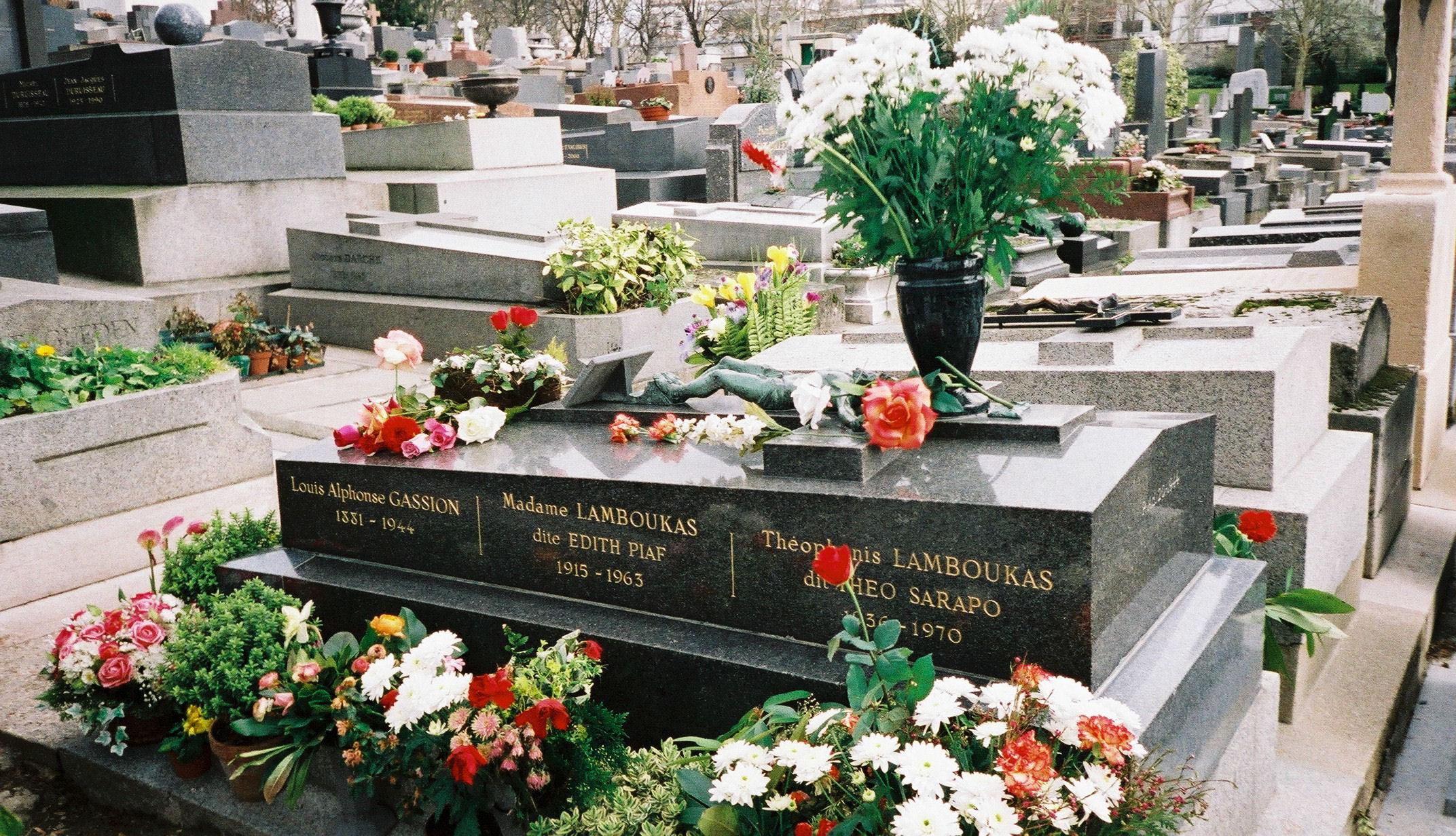 Princess Diana Gravesite File Edith Piafs Grave P 232 Re Lachaise Cemetery Paris