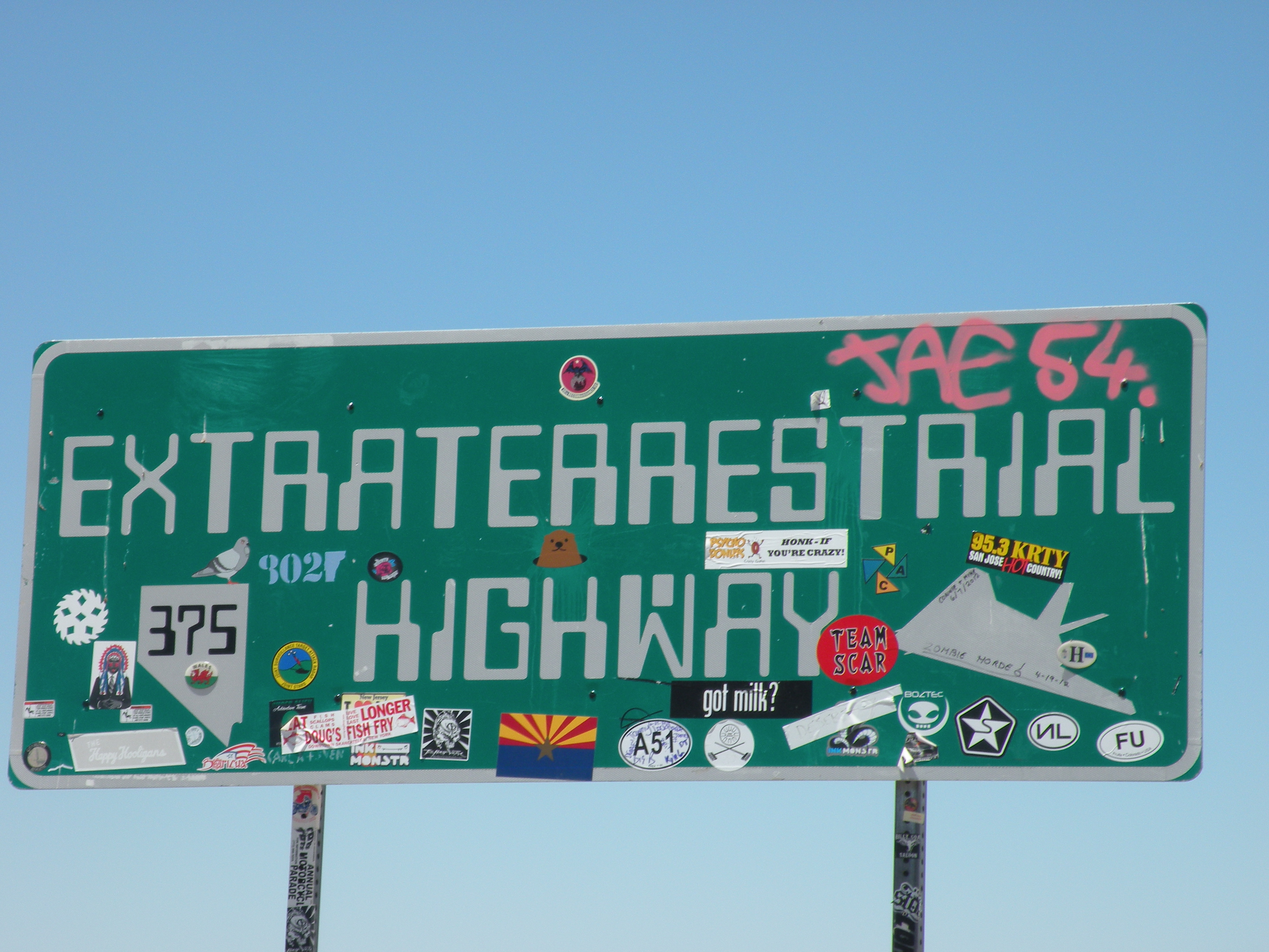 http://upload.wikimedia.org/wikipedia/commons/4/49/Extraterrestrial_highway_(Route_375).JPG