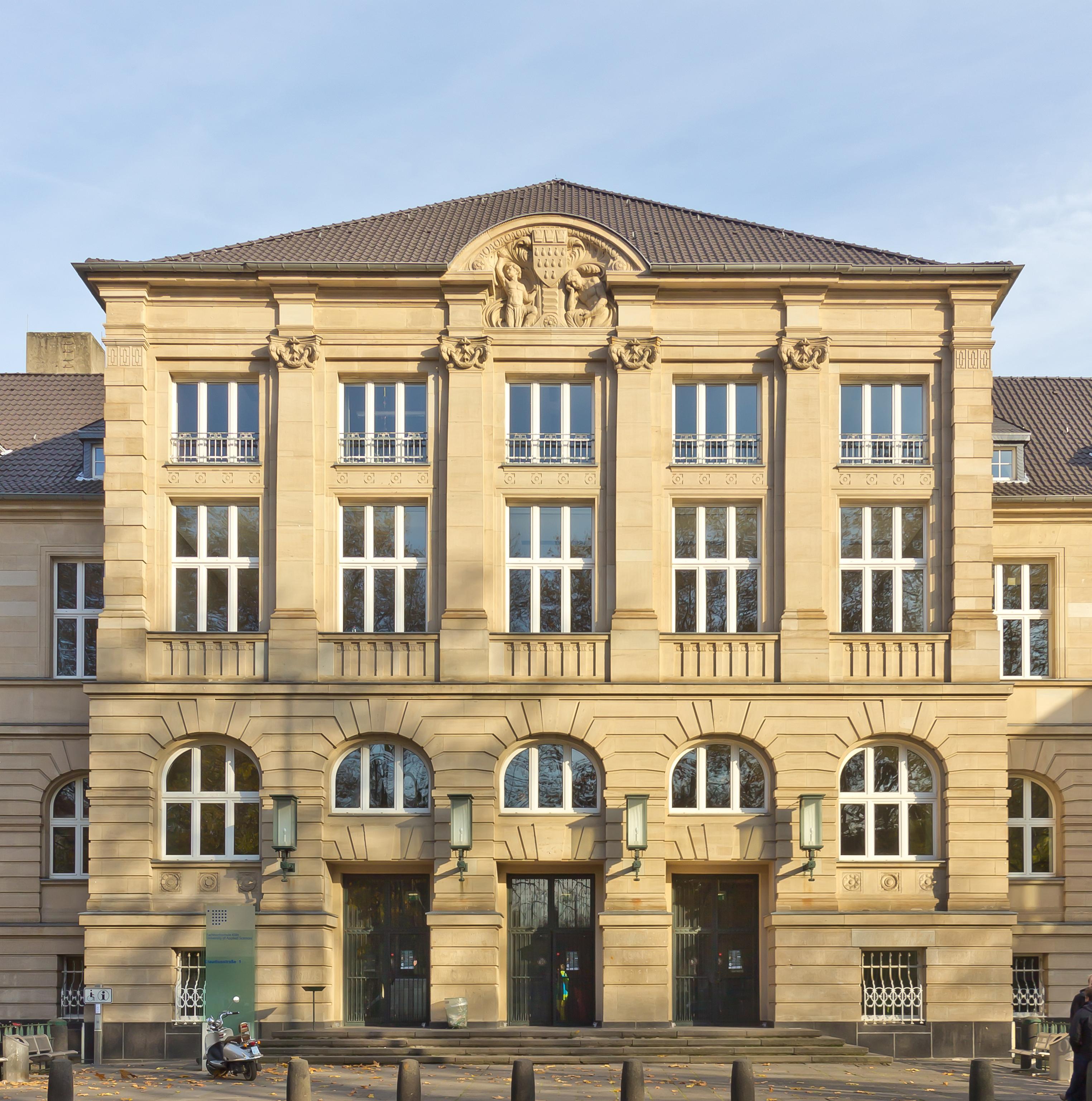 Erstes Gebäude der neuen Universität (bis 1934); heute FH Köln