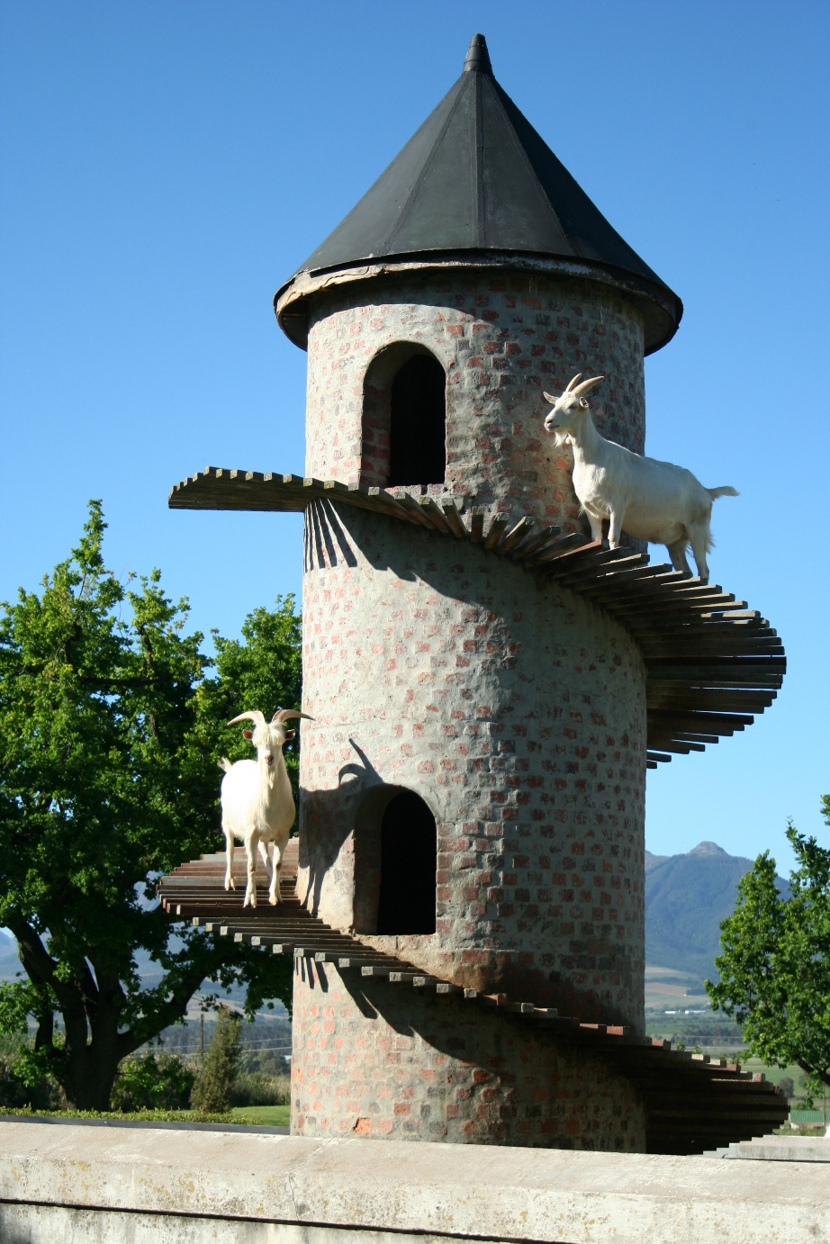 Goat tower wikipedia for Farmhouse tower