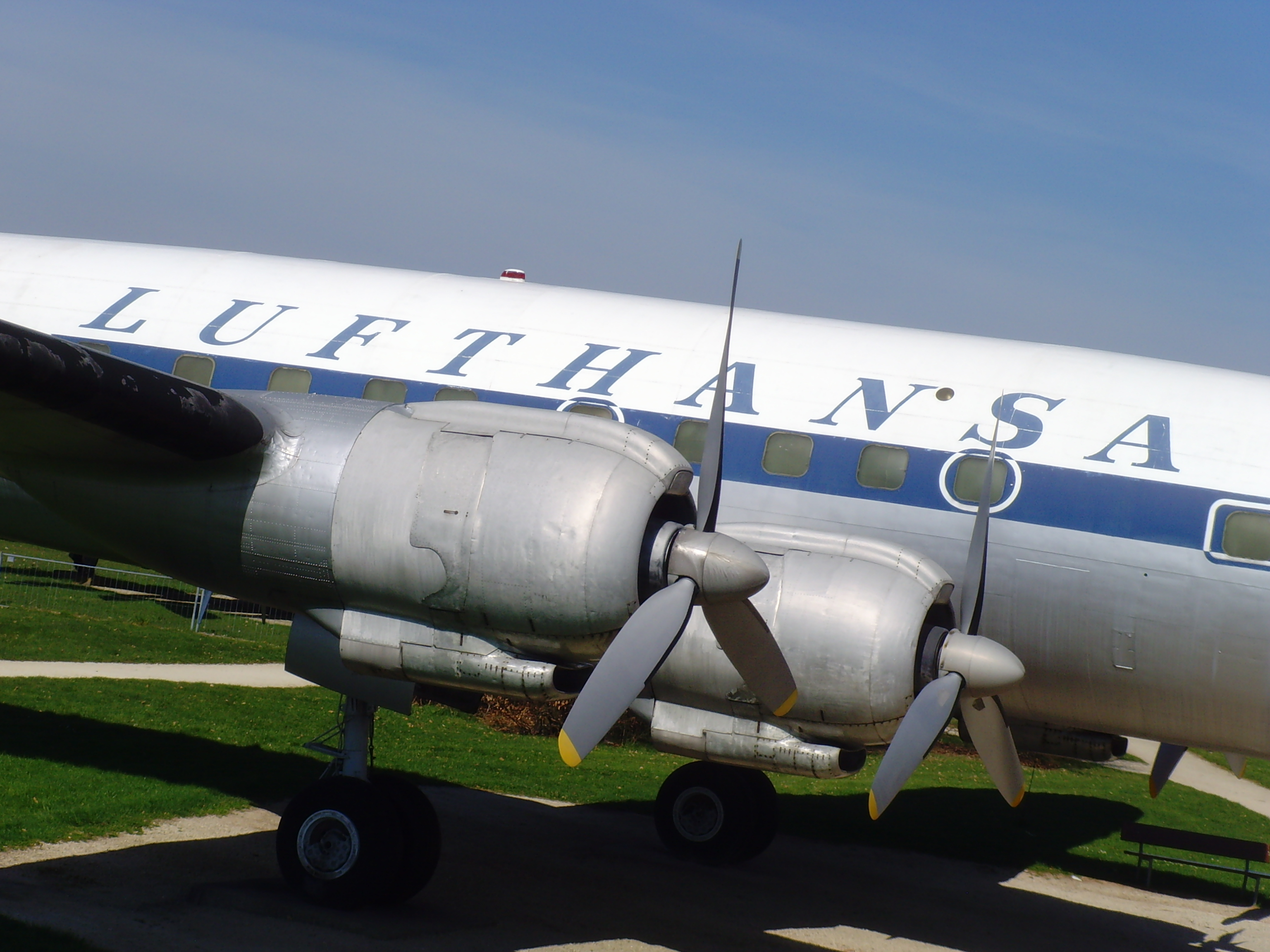 File:Flugausstellung Hermeskeil Lockheed L-1049 G Super Constellation - 2 -  Flickr -